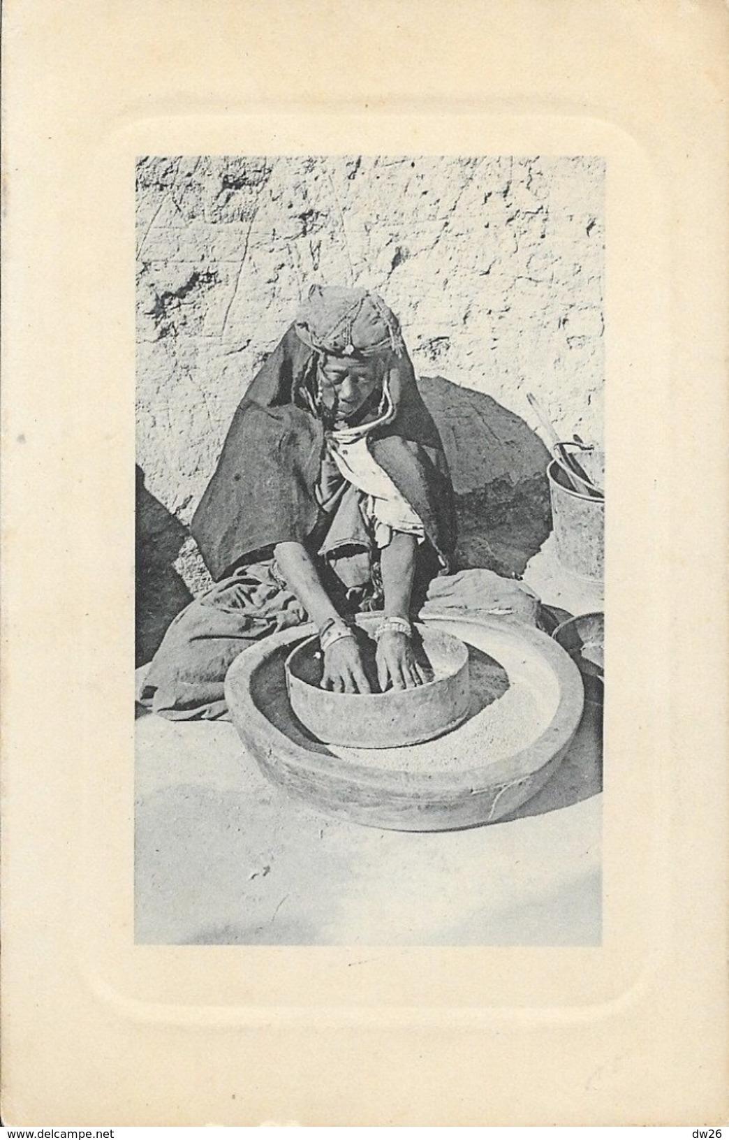 Femme Mauresque Préparant Le Couscous - Carte E.L.D. Non Circulée - Afrique