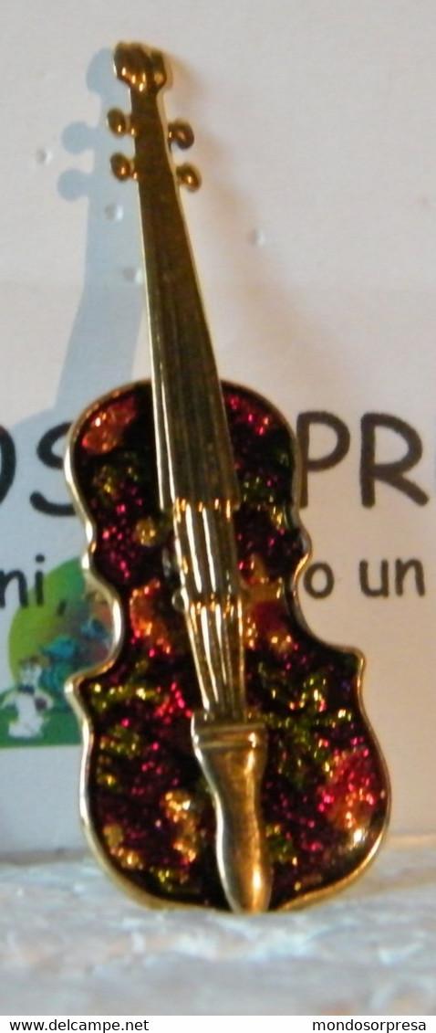 MONDOSORPRESA, (SC00-LOTTO N° 2) PINS, SPILLA, CHITARRA, STRUMENTI MUSICALI,  VINTAGE, ANNI 80 - Pin's
