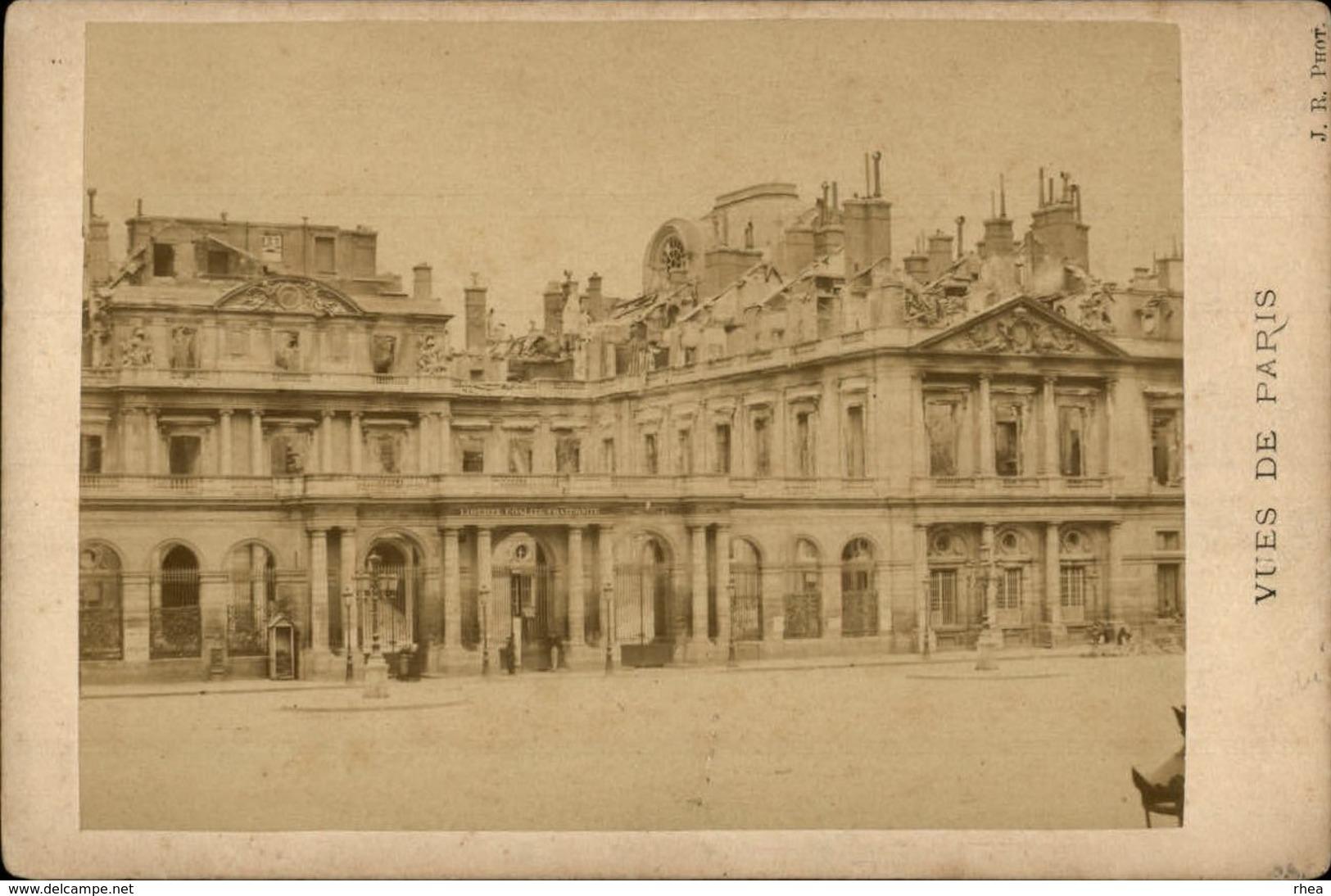75 - PARIS - PHOTO Sur Carton - Façade Du Palais Royal Après L'incendie - Lieux