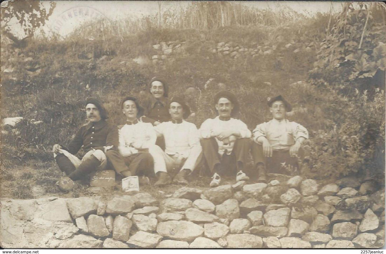 C Photo Classe 1910 En Bérets - Uniforms