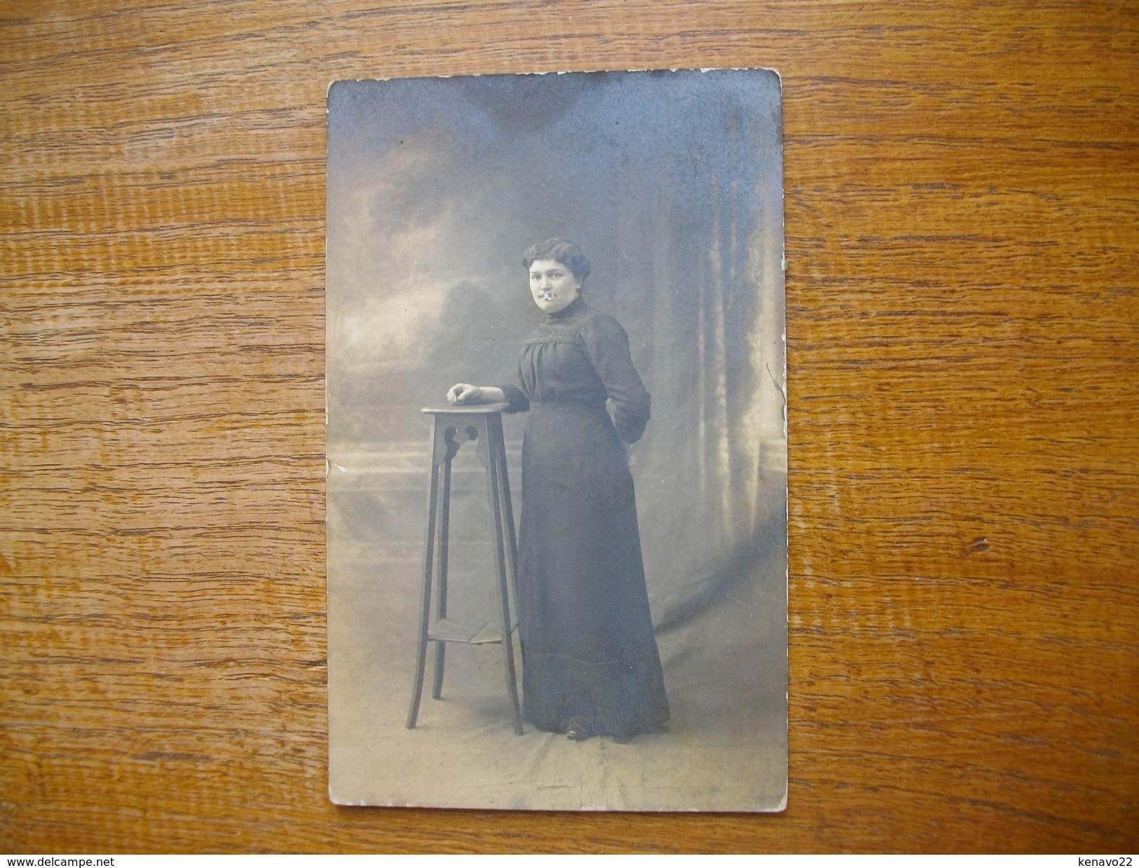 "Ancienne Carte Photo , Silhouette D'une Femme """" Mme Brun """" - Silhouettes"