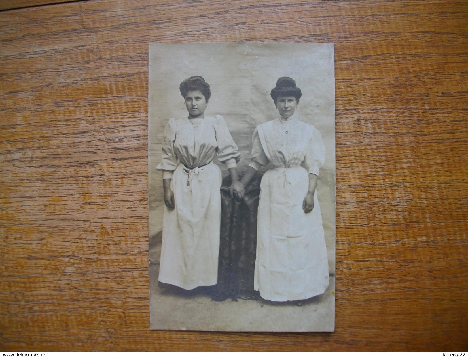 Ancienne Carte Photo ,  Silhouettes De Femmes - Silhouettes