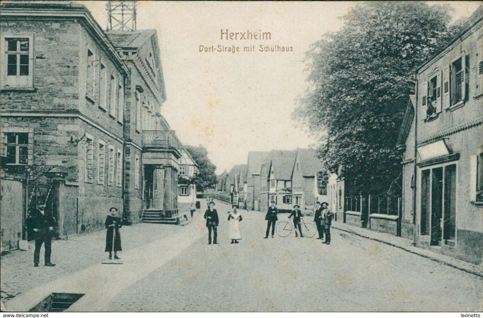 AK Herxheim, Dorf-Straße Mit Schulhaus, O 1919 (17349) - Altri