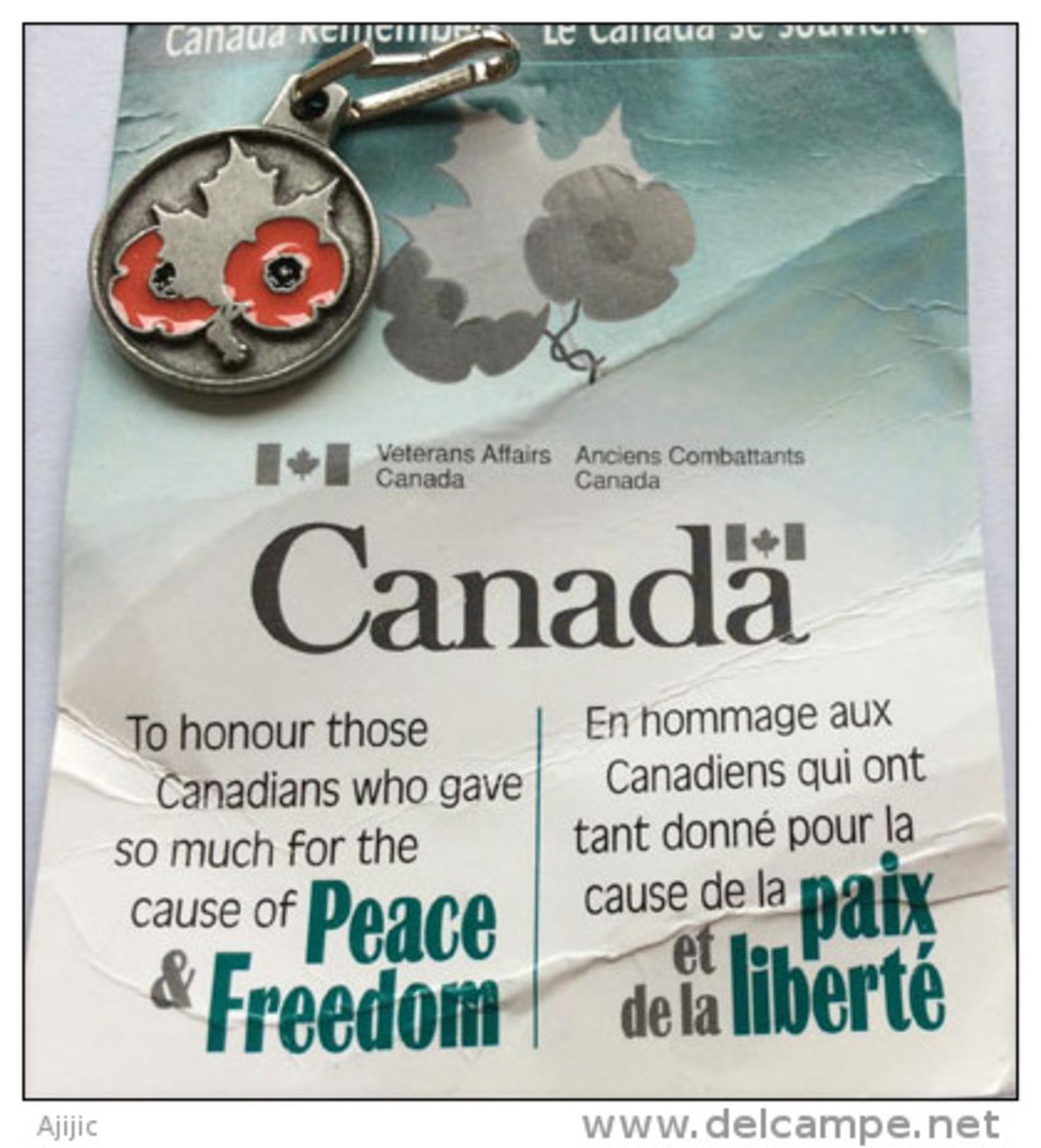 """CANADA:""""Vétérans Canadiens"""".Hommage à Ceux Tombés à La 1 ère Guerre Mondiale. Pin Officiel:Feuille D´érable & Coquelicot - Militares"""