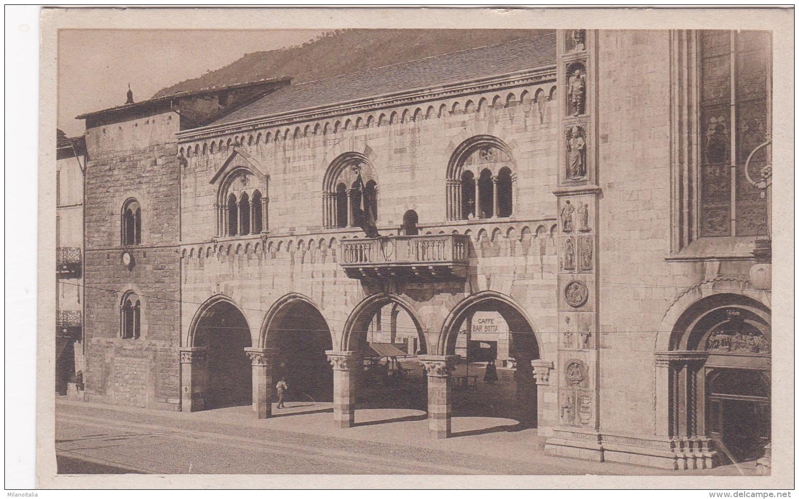 Como - Palazzo Broletto (6021) - Como