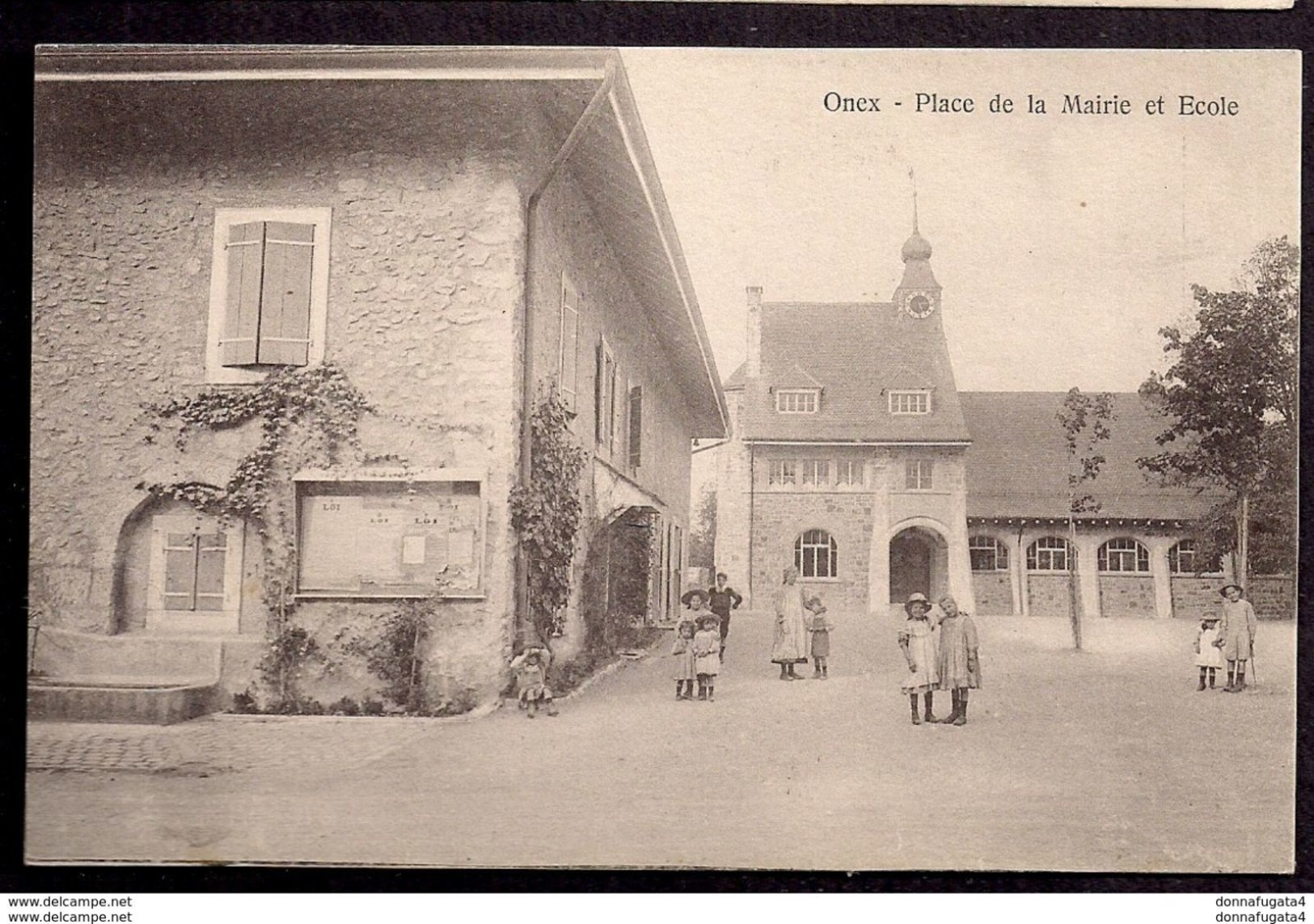 CPA Genève Onex Place De La Mairie Et Ecole ....F214 - GE Genève