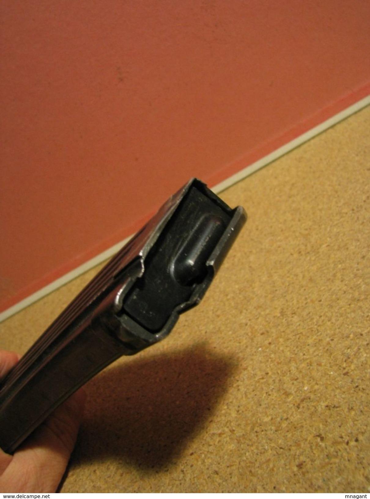 CHARGEUR DEMILITARISE DE AK 47 , 10 Coups NVA - Armes Neutralisées