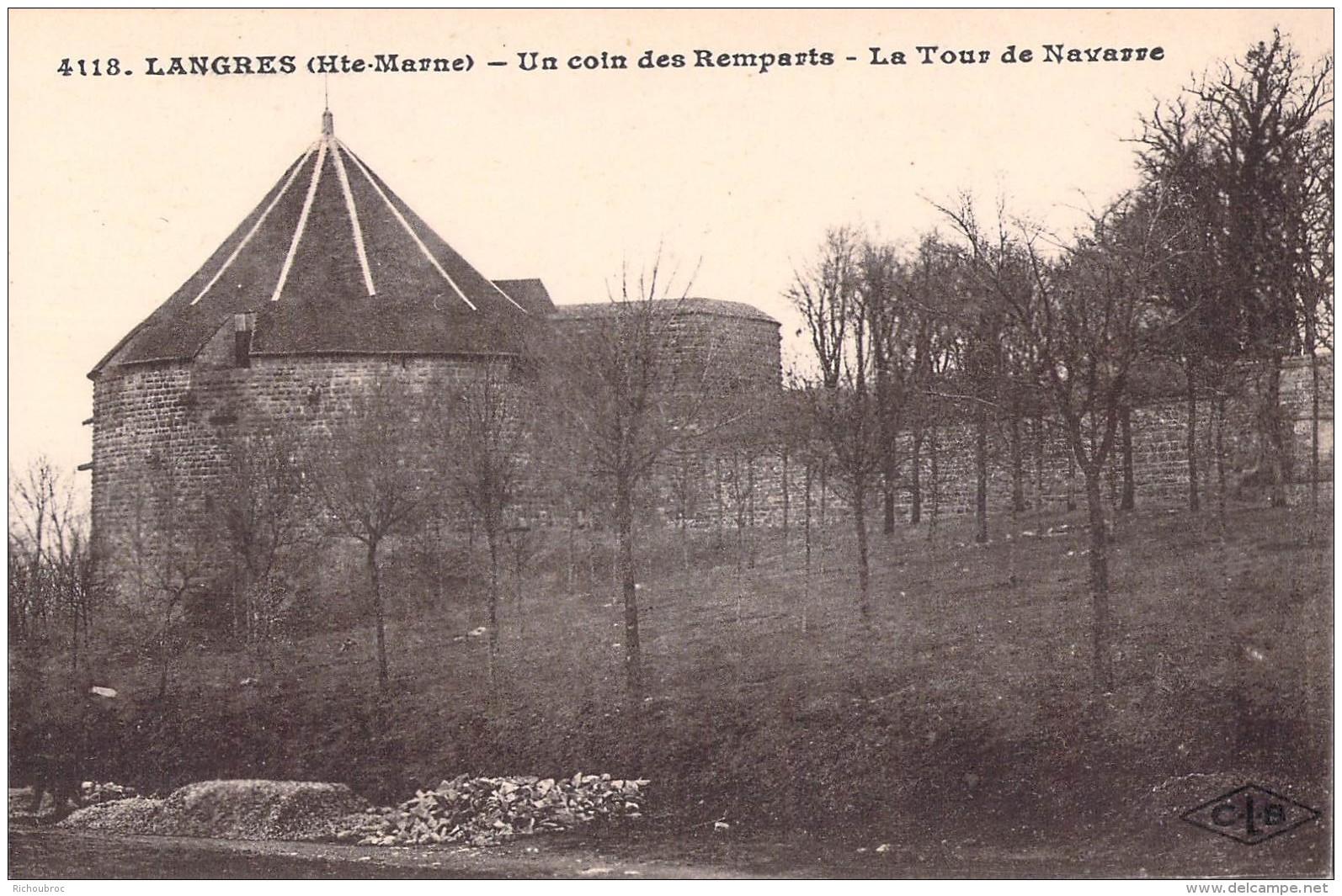 52 LANGRES UN COIN DES REMPARTS LA TOUR DE NAVARRE - Langres