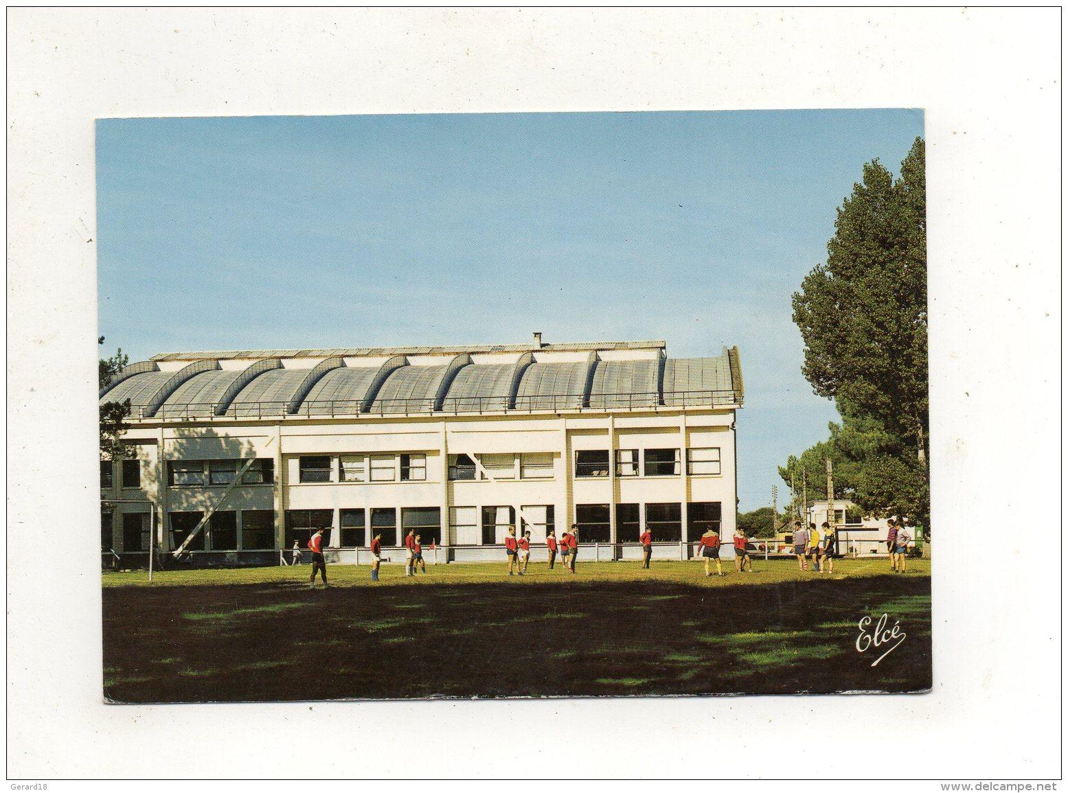 (33) CENTRE DE FORMATION MARINE D'HOURTIN - Le Terrain De Sports. - France