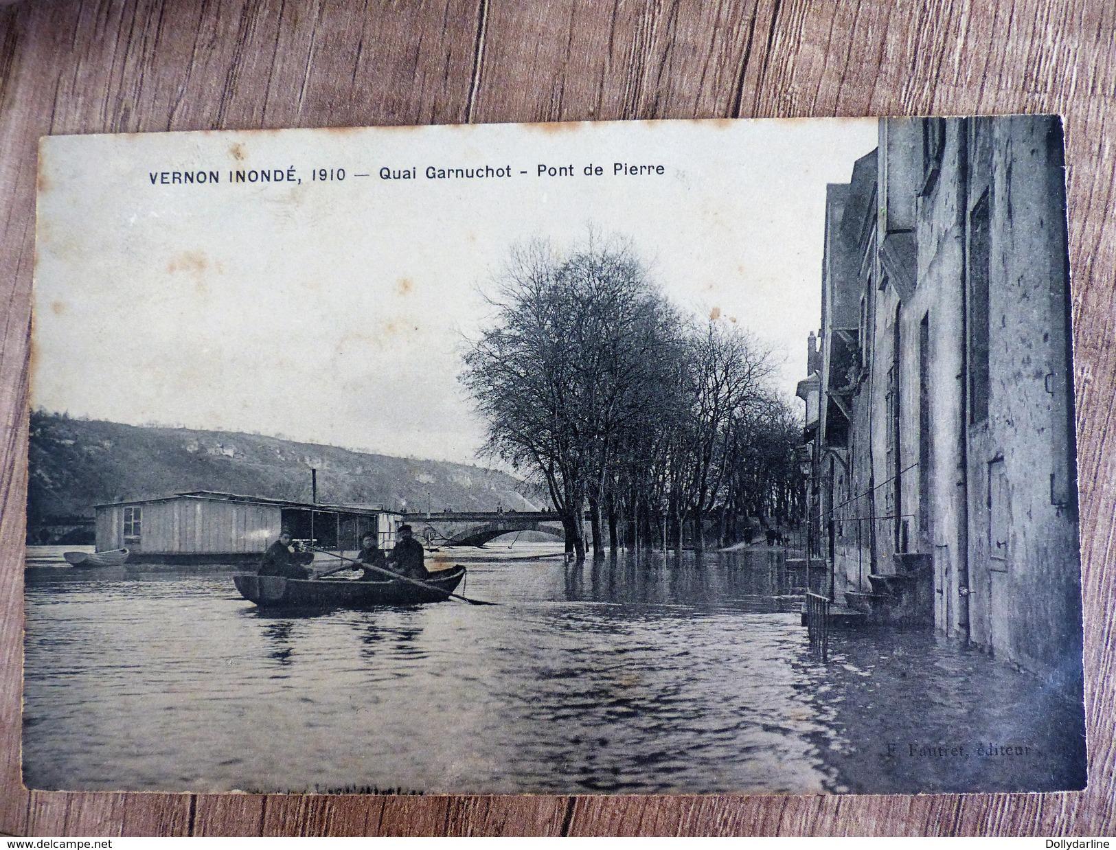 CPA VERNON INONDE Quai Garnuchot Pont De Pierre Barque Inondations Ecrite 27 EURE Animée - Vernon