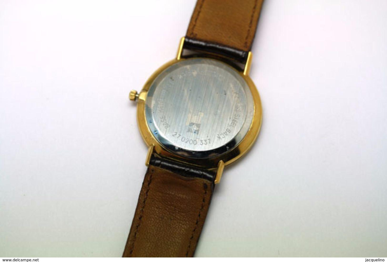Zenith. Cosmopolitan, Neuve Diamètre 34 Mm Date à 3h. - Orologi Di Lusso