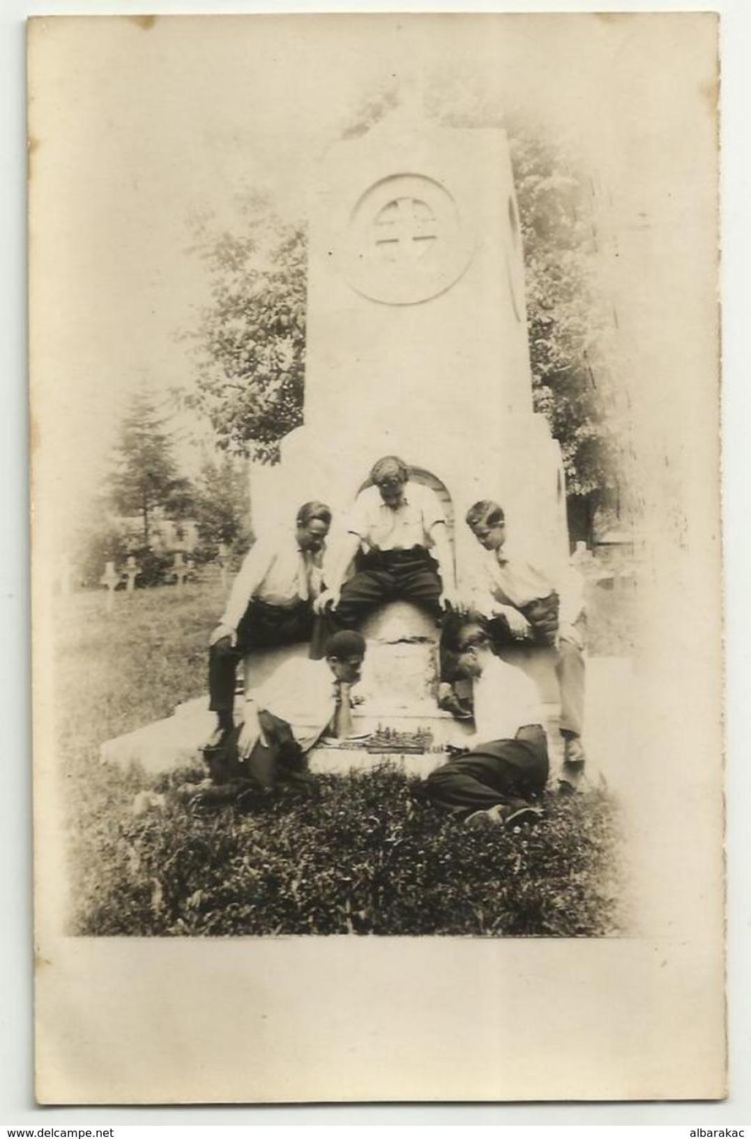 Serbia , Jagodina CHESS On Monument - ( The Victims Of Liberation1915 ) ,, 1932 - Echecs