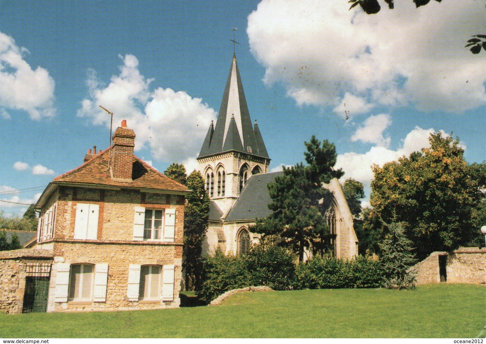 76 Grand Couronne. L'eglise Et L'arbre De La Liberté - Other Municipalities