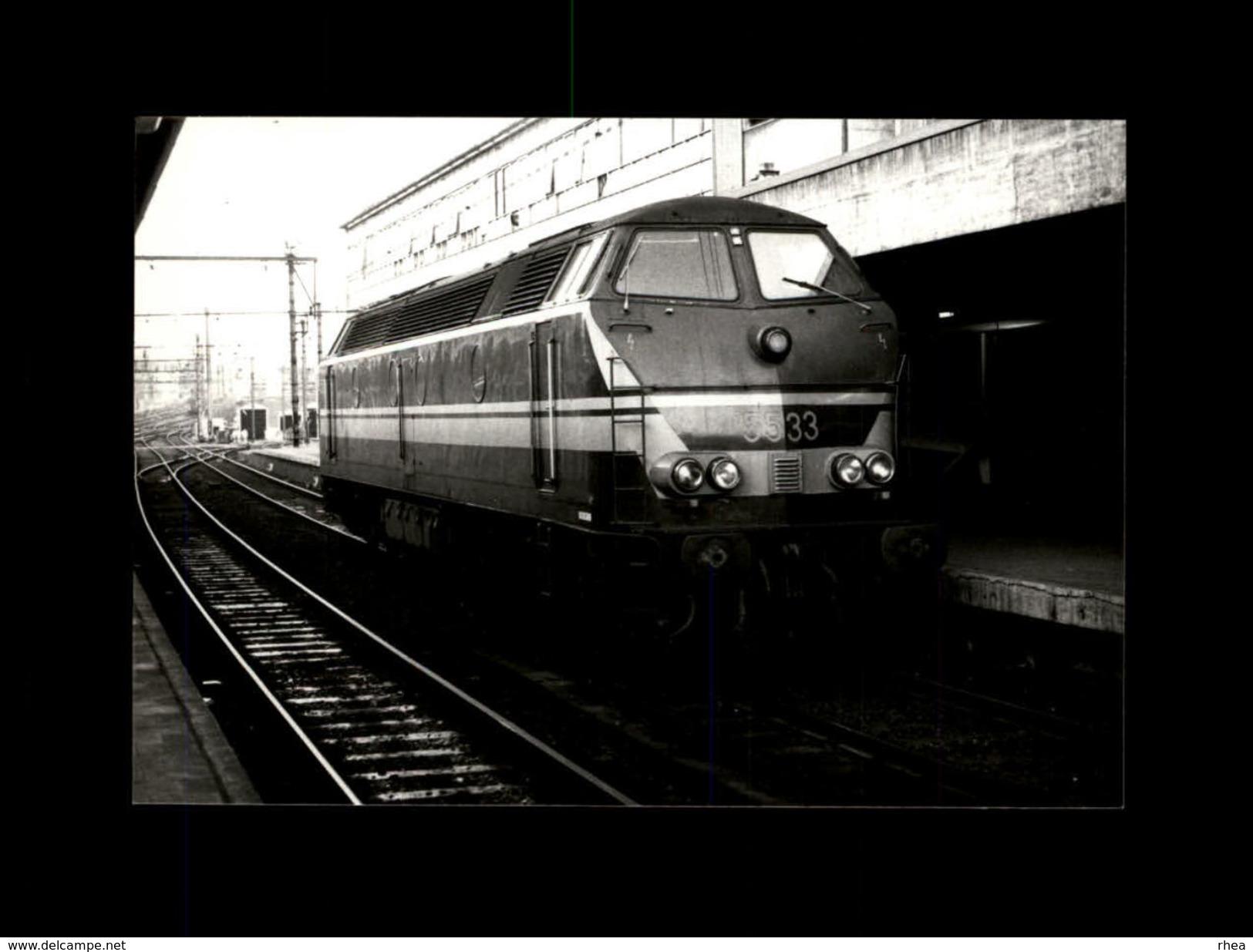 TRAINS - LIEGE - BELGIQUE - Locomotive 5533 - Trains