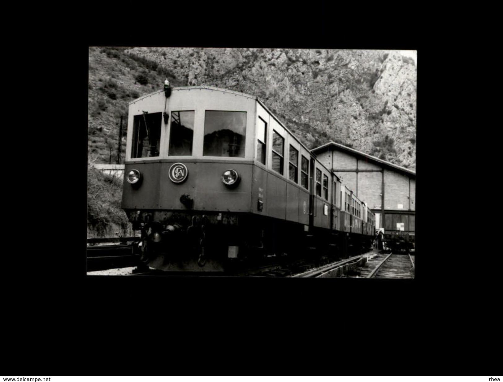 TRAINS - VILLEFRANCHE DE CONFLENT - 66 - Locomotive - SNCF - 1978 - Trains