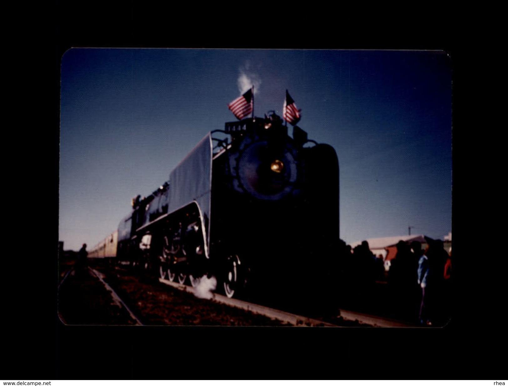 TRAINS - USA - Locomotive - Train - Trains