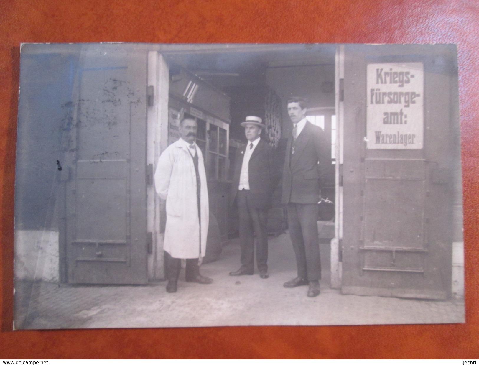 CARTE PHOTO . KRIEGS FURSORGE AMT .WARENLAGER - BS Basle-Town