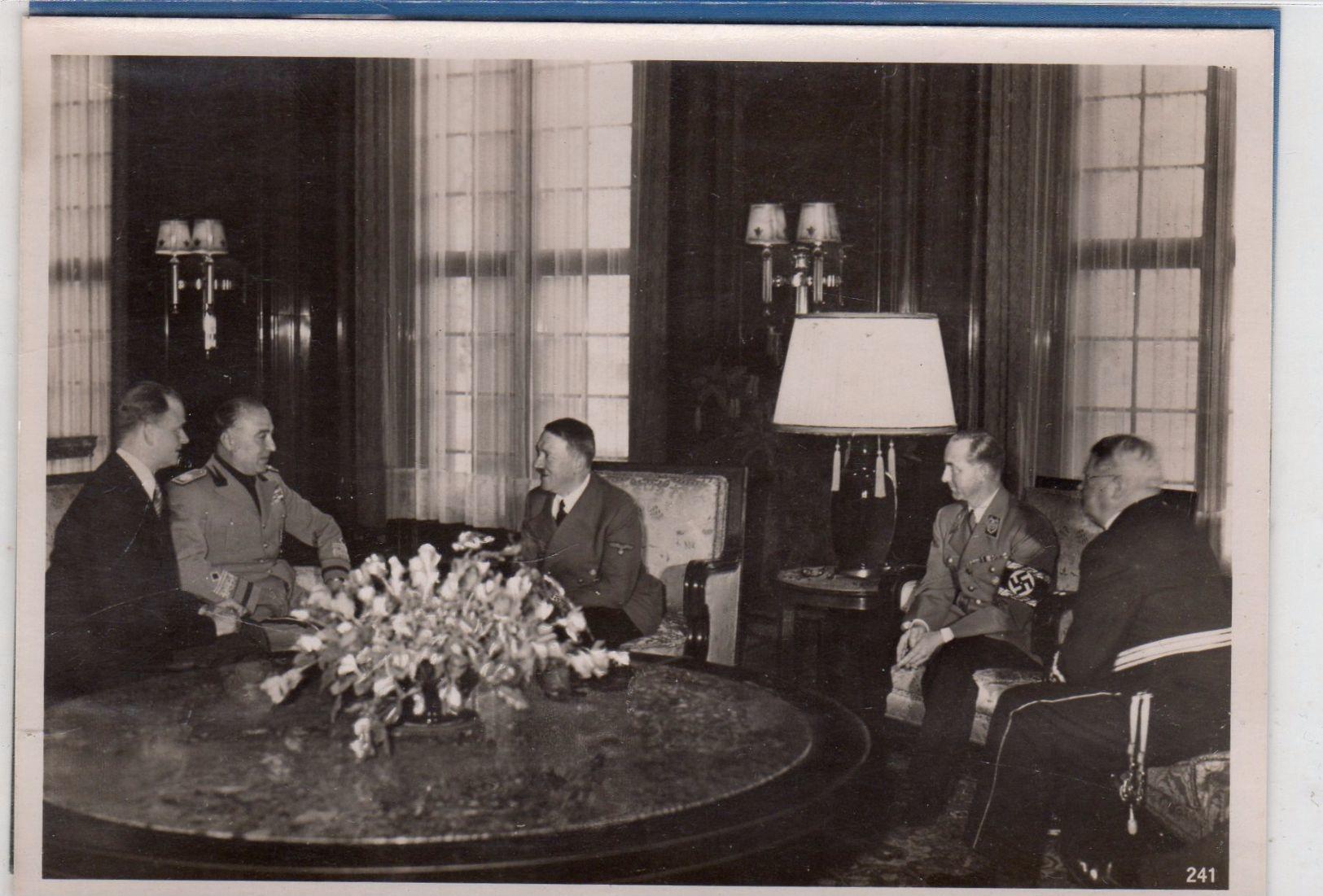 Foto Staatsempfang In Deutschland - Politiker Beim Gespräch - Guerra, Militari