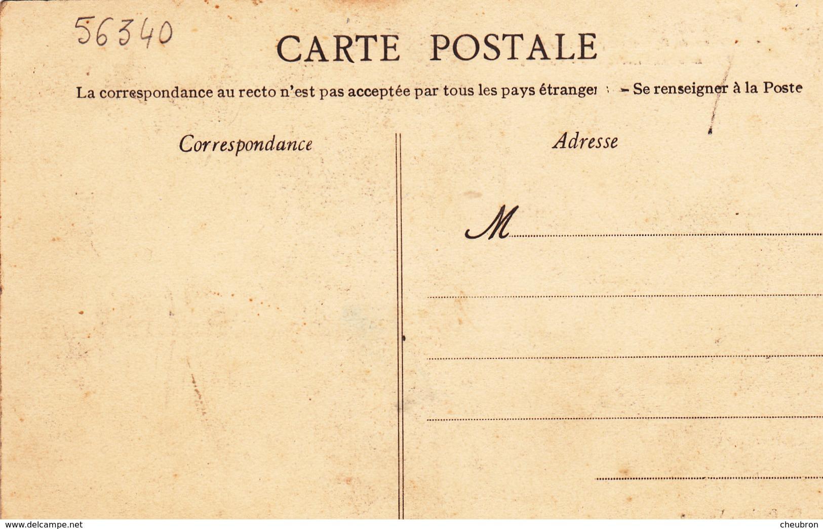 56. CARNAC PLAGE .CPA RARE. . FESTIVAL DE GYMNASTIQUE 1910.  PYRAMIDE DES KORRIGANS DE VANNES - Carnac