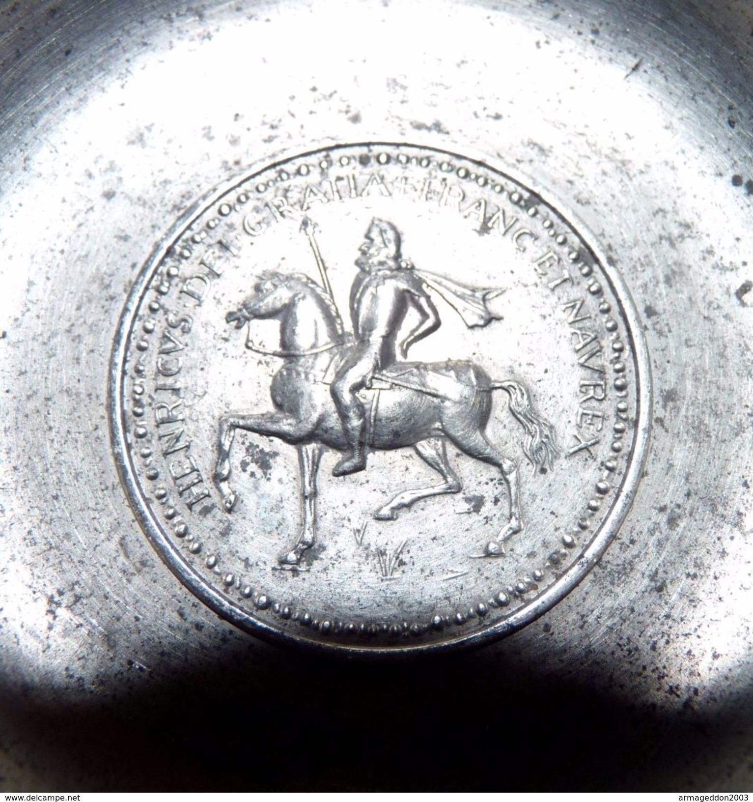 ANCIEN TASTEVIN TASTE-VIN ETAIN DU MANOIR HENRICUS DEI GRATIA FRANC ET NAVAR REX - Etains