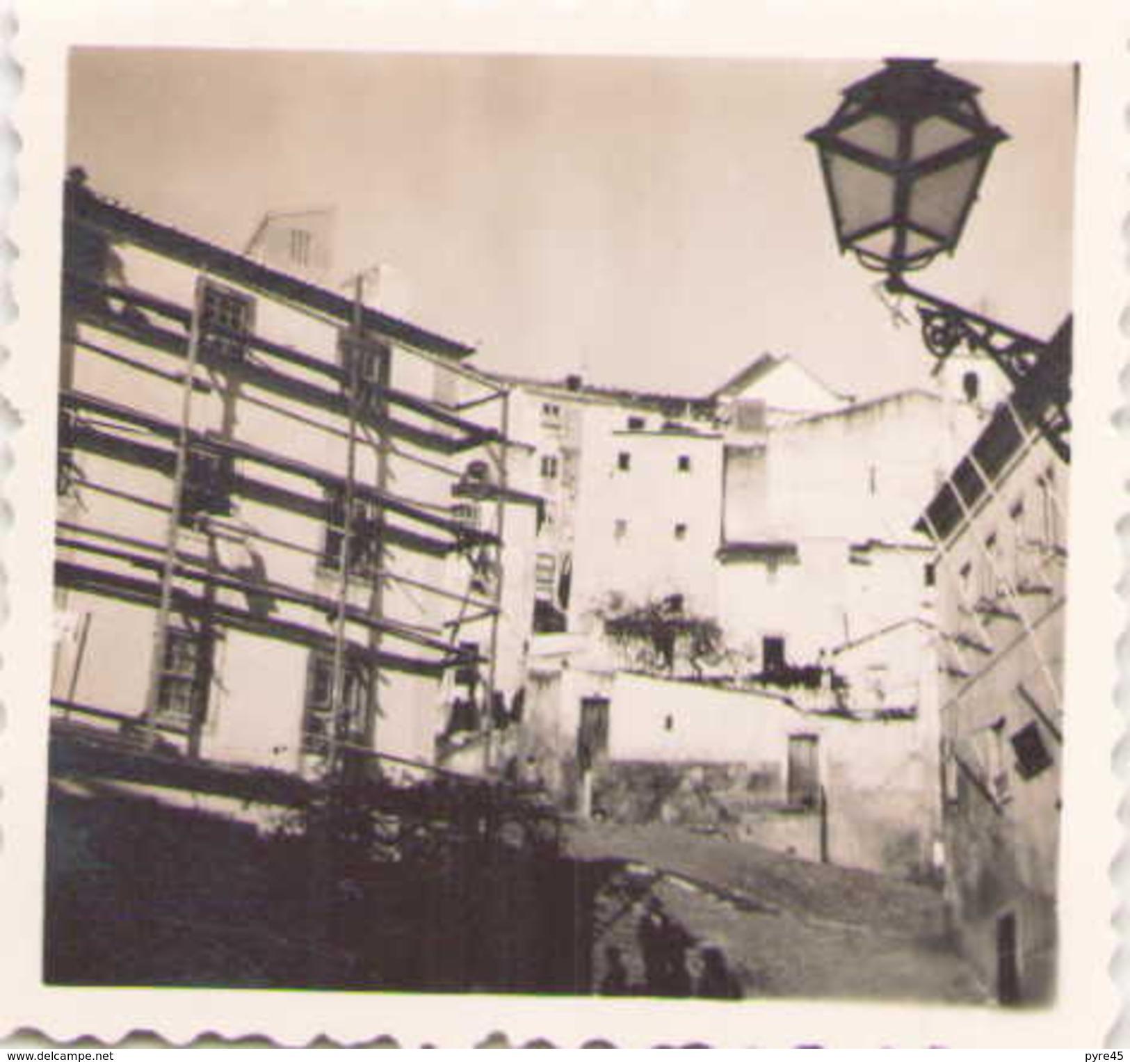 Photo 6 X 6 Cm Bâtiment Avec échafaudage - Lieux