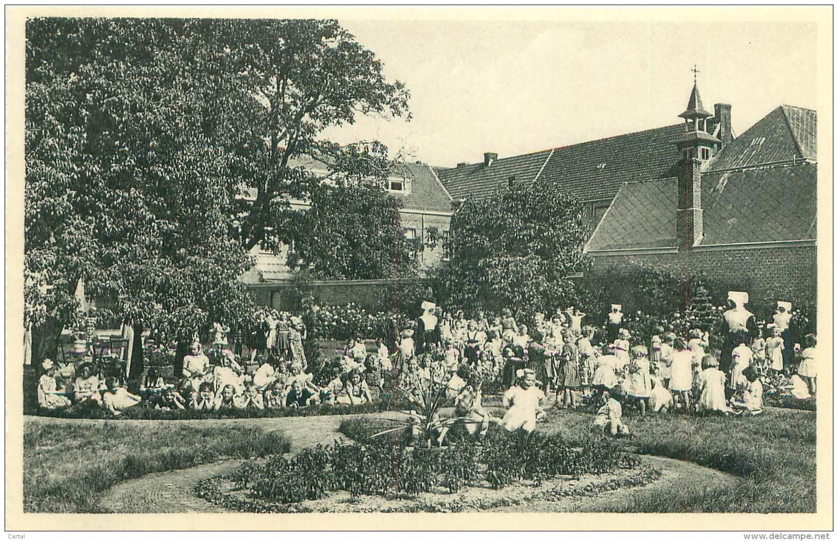 RAVELS - O.L. Vrouw Van De Kempen - Een Gezellig Hoekje In Het Bloemenpark - Ravels