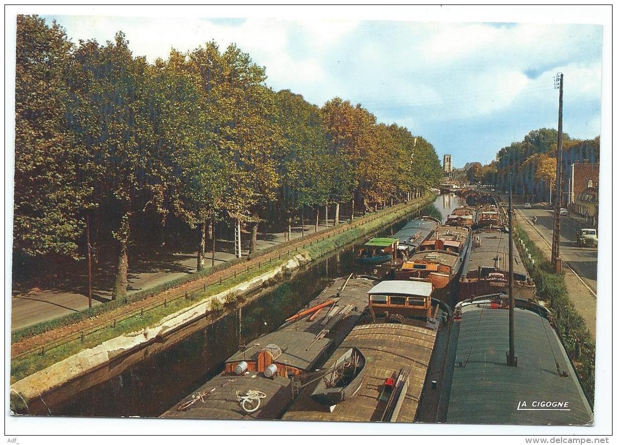 CP LILLE, NOMBREUSES PENICHES, PENICHE SUR LE CANAL DE LA DEULE, NORD 59 - Lille