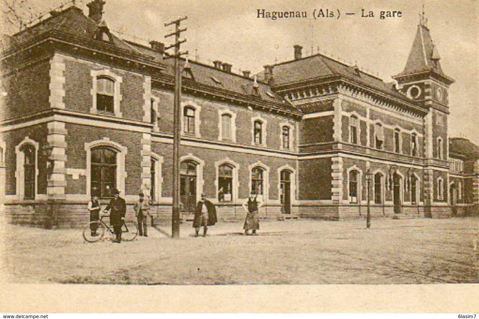 CPA - HAGUENAU (67) - Aspect De L'extérieur De La Gare En 1919 - Haguenau