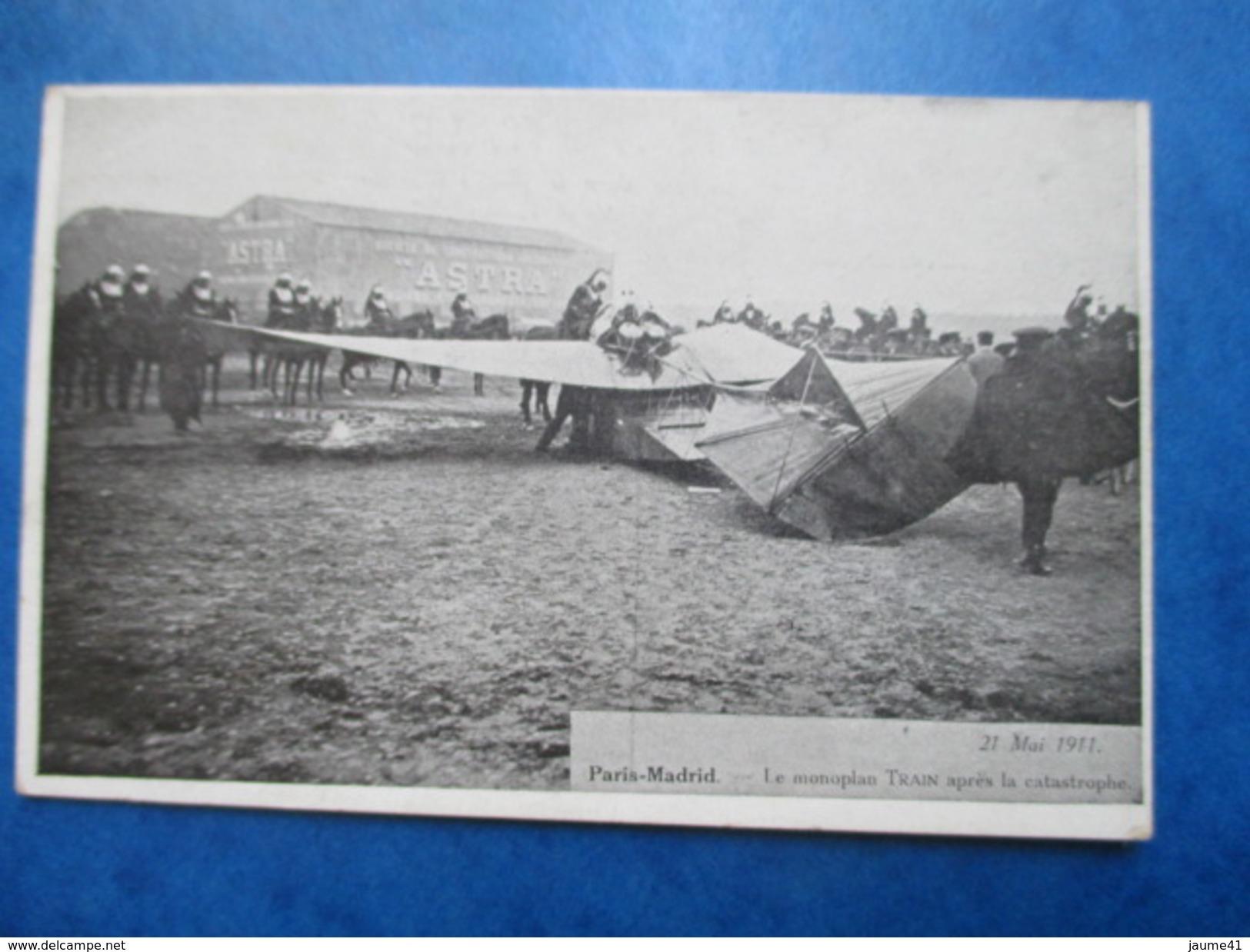 HAUTS DE SEINE  92  ISSY-LES-MOULINEAUX  - 21  MAI 1911 -  LE MONOPLAN TRAIN APRES LA CATASTROPHE    TRES  ANIME  TTB - Issy Les Moulineaux