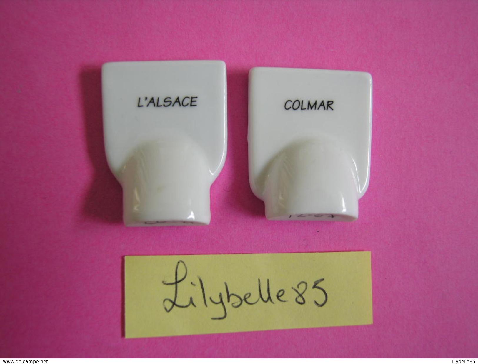 Série De 2 Feves PERSO En Porcelaine - BLASONS ALSACE ET COLMAR - Serie CORA COLMAR 2007 ( Feve ) - Regions