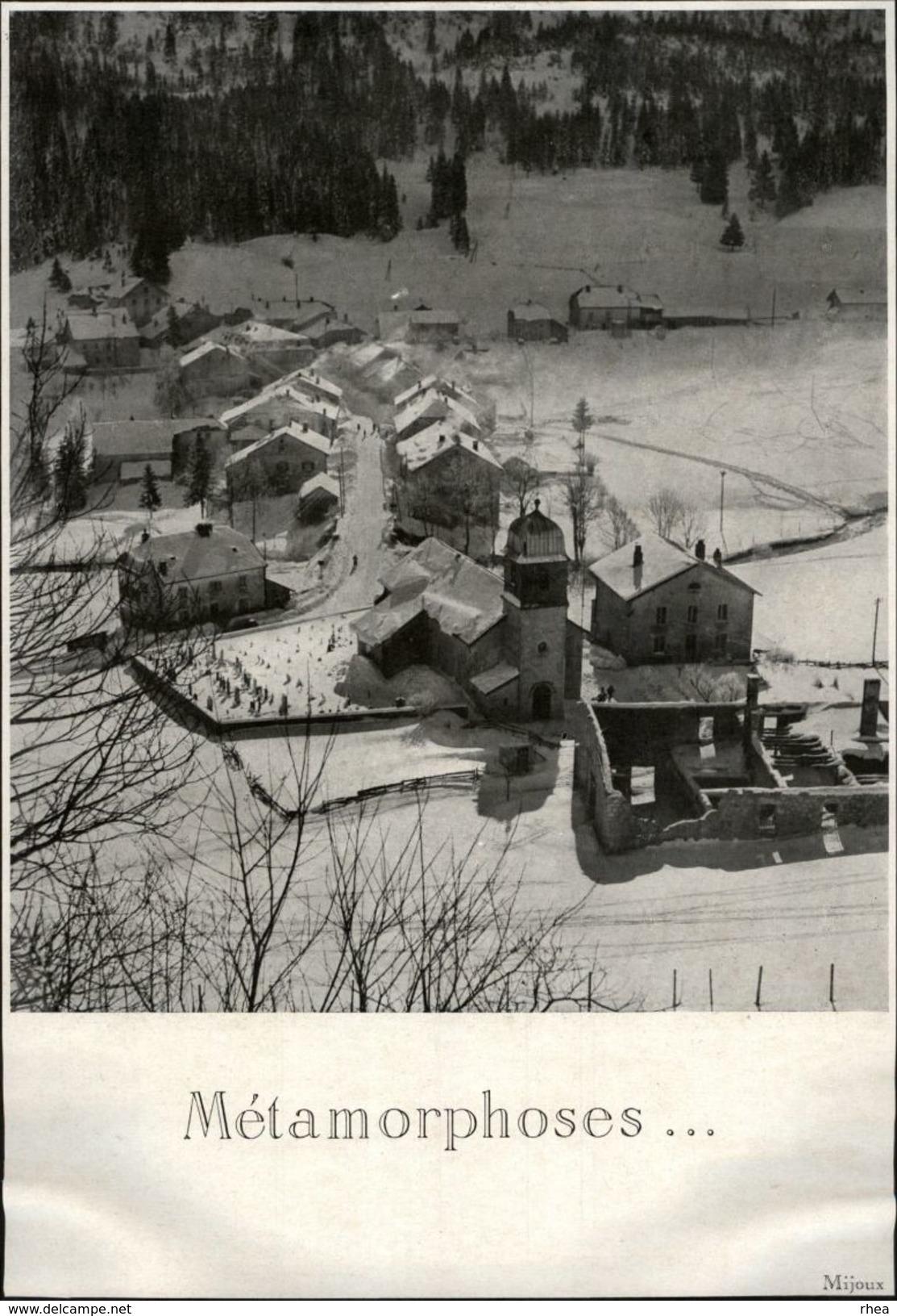 01 - MIJOUX - 2 Images Issues D'une Revue De 1946 Collées Sur Canson Noir - Métamorphoses D'un Village - Vieux Papiers