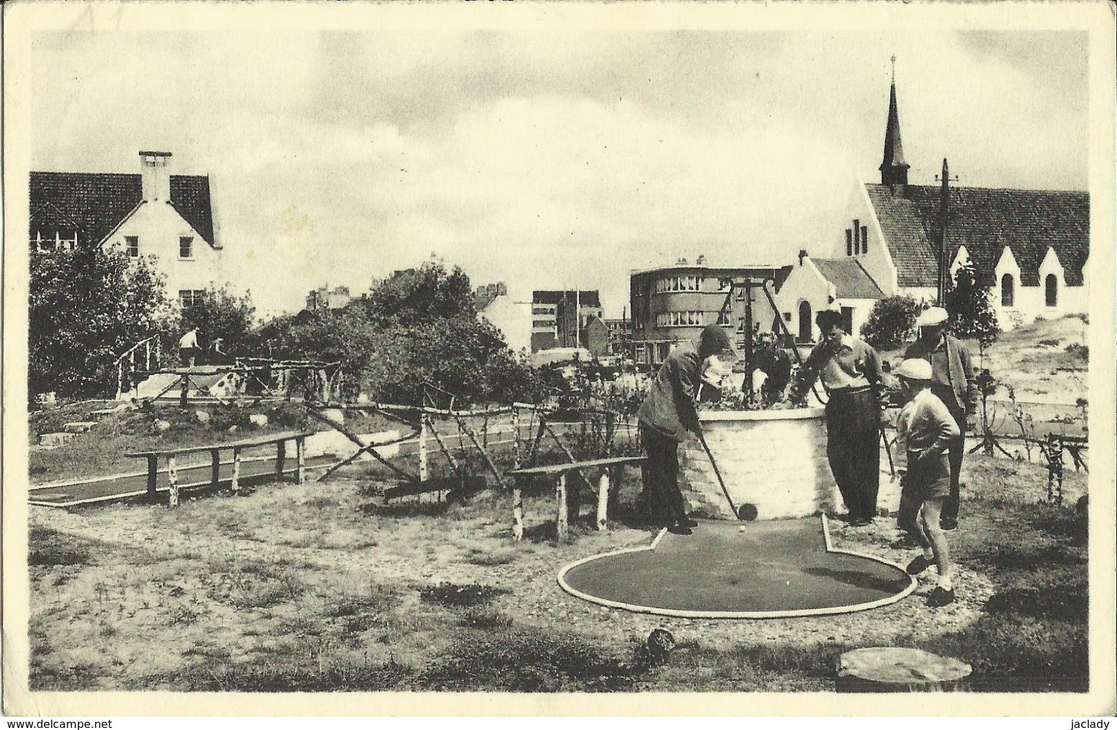 Oostduinkerke - Bains -- Golf Miniature.  ( 2 Scans ) - Oostduinkerke