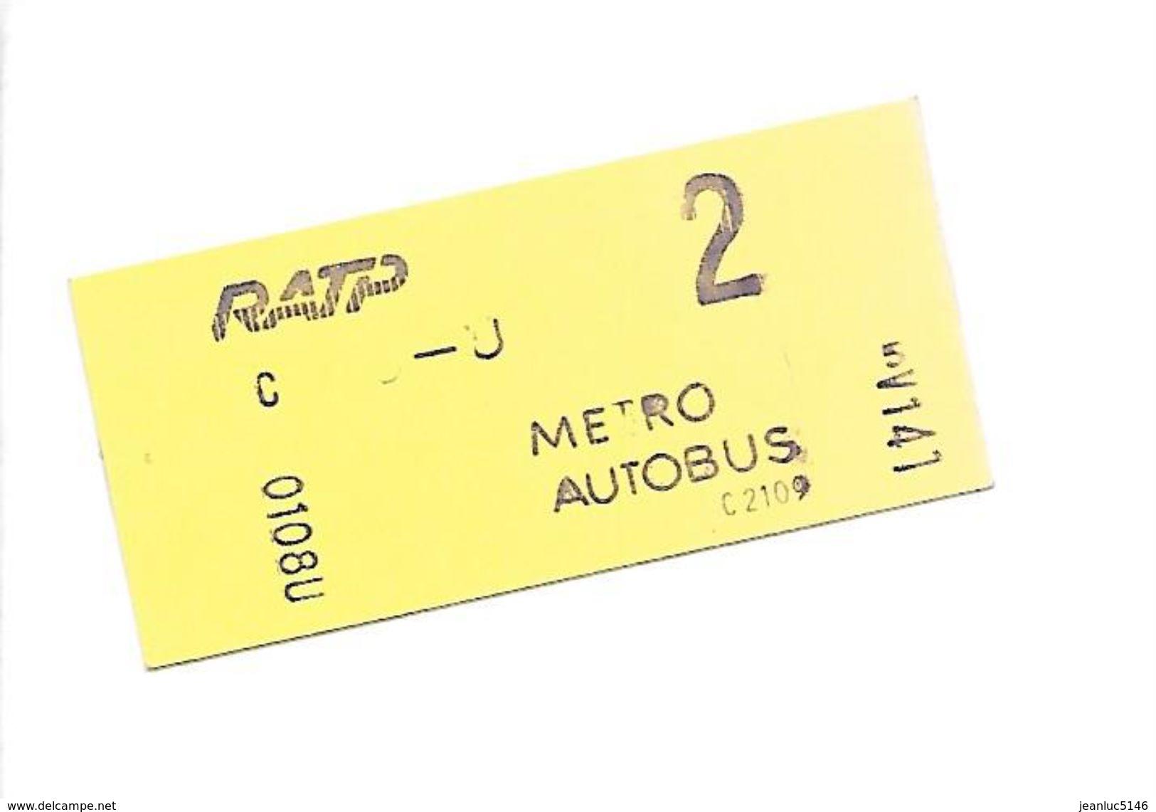 Ticket RATP Métro Ou Autobus  2ème Classe.1976-1982. - Europe