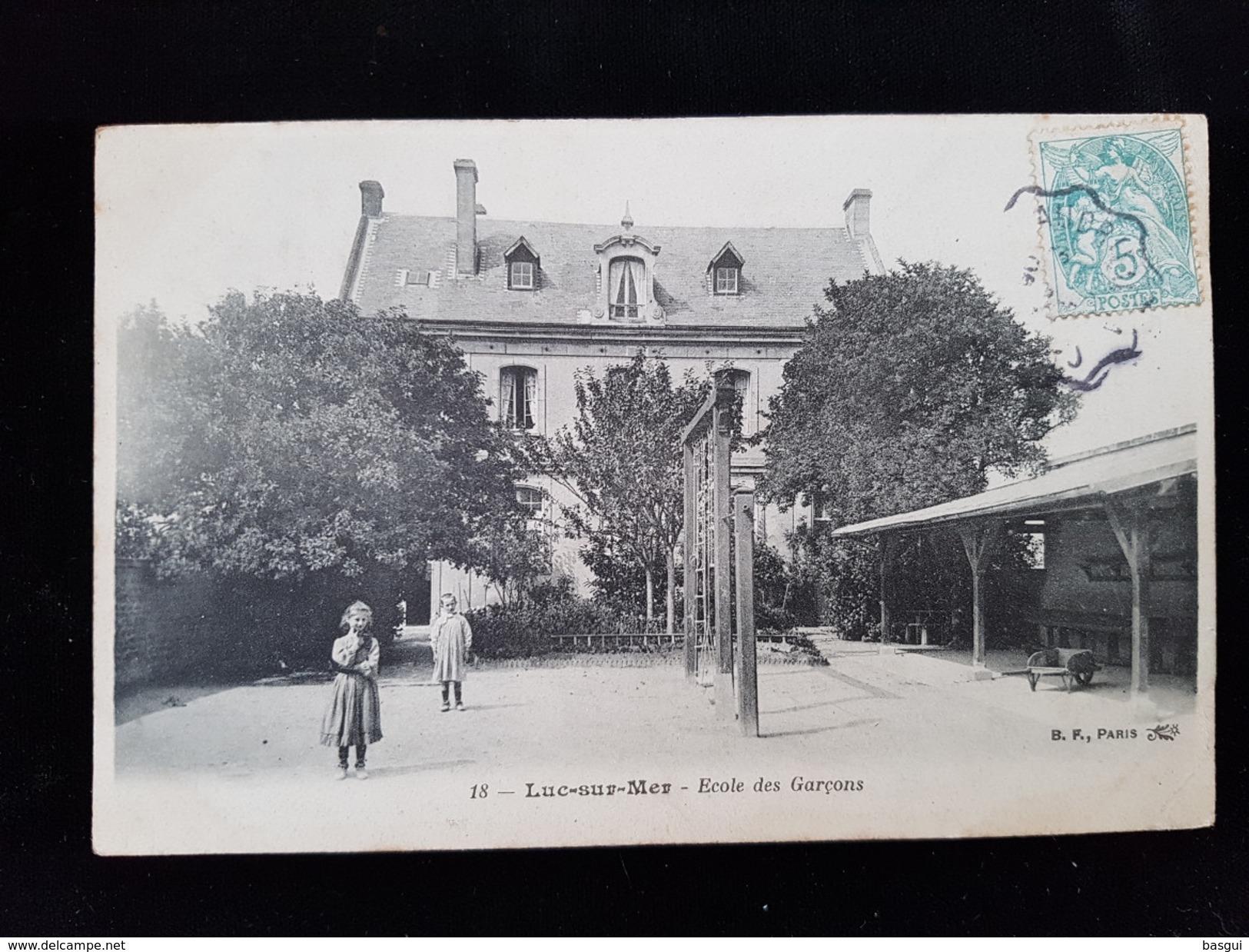 CPA D14 Luc Sur Mer, école De Garçons - Luc Sur Mer