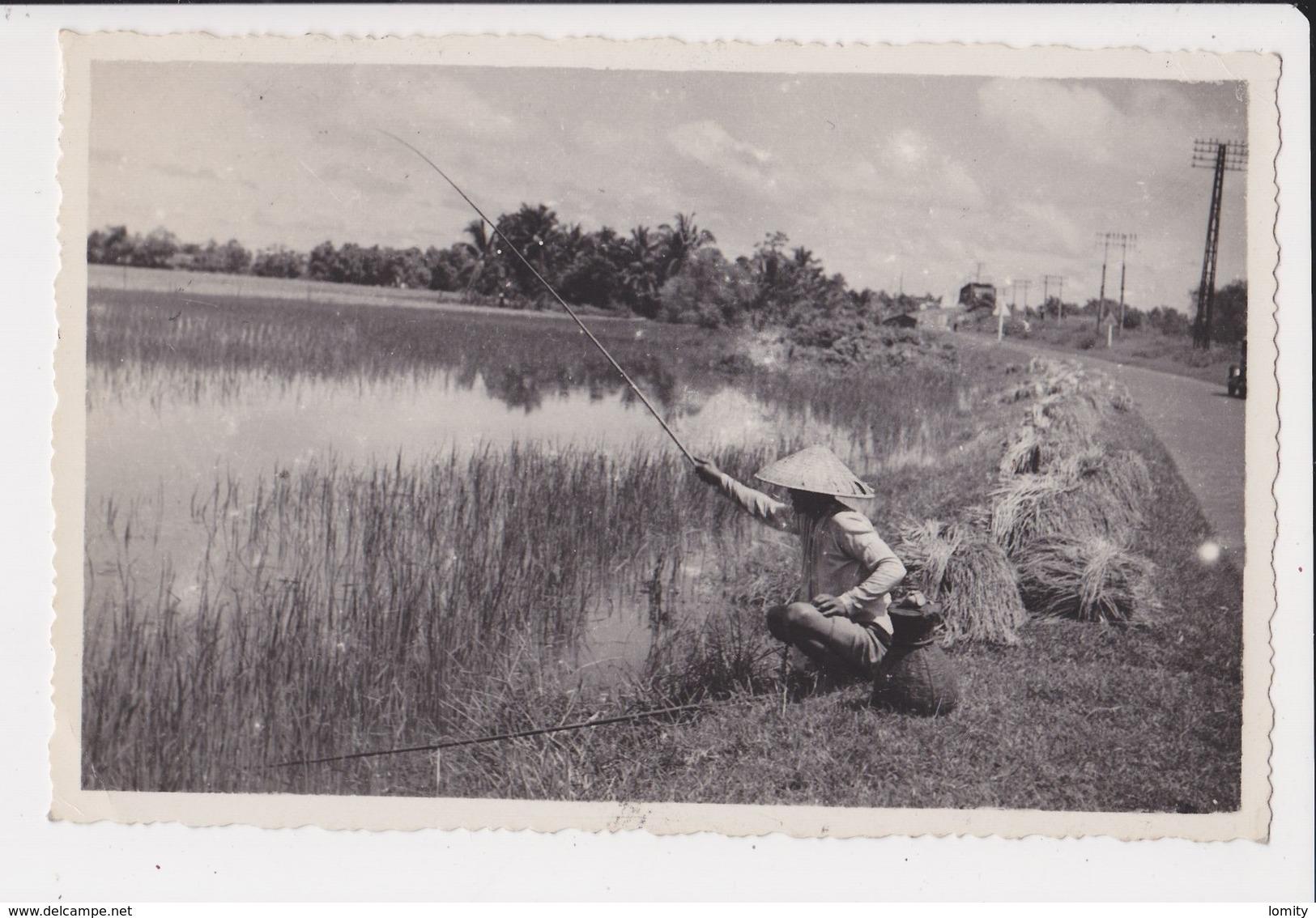 Viet Nam Vietnam Indochine CPSM PF Carte Photo + Timbre Cachet Saigon 1950 Pecheur Peche A Ligne - Viêt-Nam