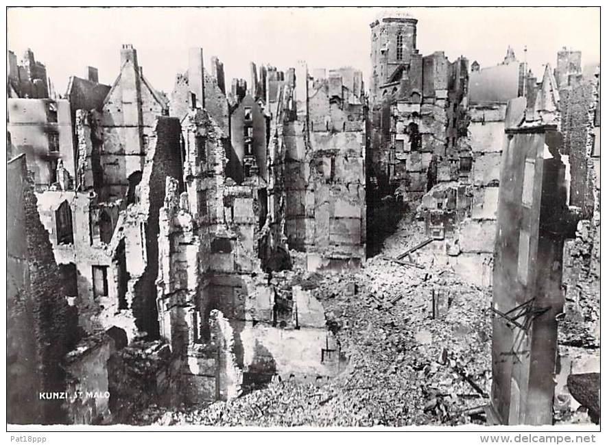 35 - SAINT MALO ( Série Après La Bataille Août 1944 ) LA GRANDE RUE - CPSM Dentelée Noir Blanc GF - Ille Vilaine - Saint Malo