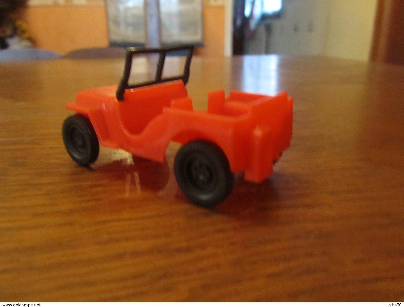 BX14 Jouet De Bazar, Universal Jeep Dulcop Producs, Made In Italy, 7 Cm - Toy Memorabilia