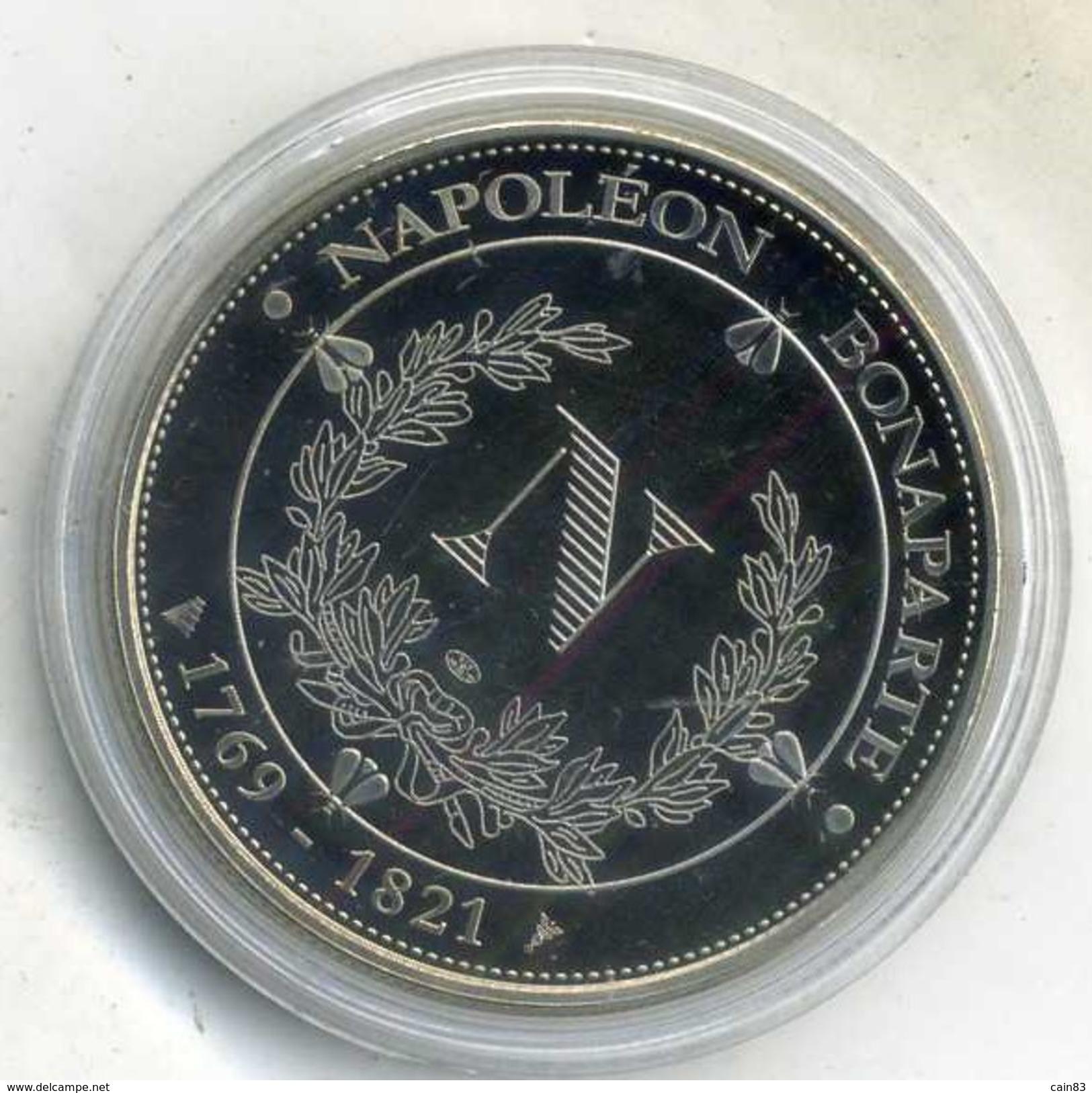 Medaille Comemo,napoléon Bonaparte..CREATION DU CODE CIVIL ,(très Bon état Les Trace Sont Dû A Mon Scann.) - Royaux / De Noblesse