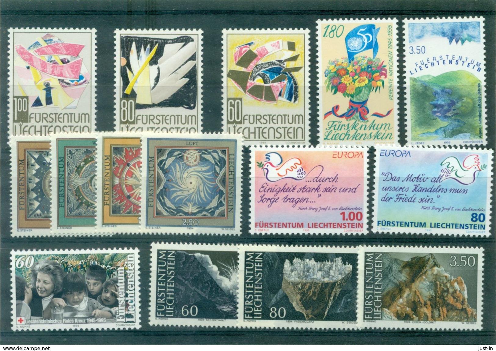 LIECHTENSTEIN . N° 1034 / 1048 Les 15 Tp N Xx Tb Cote : 38 € . - Liechtenstein
