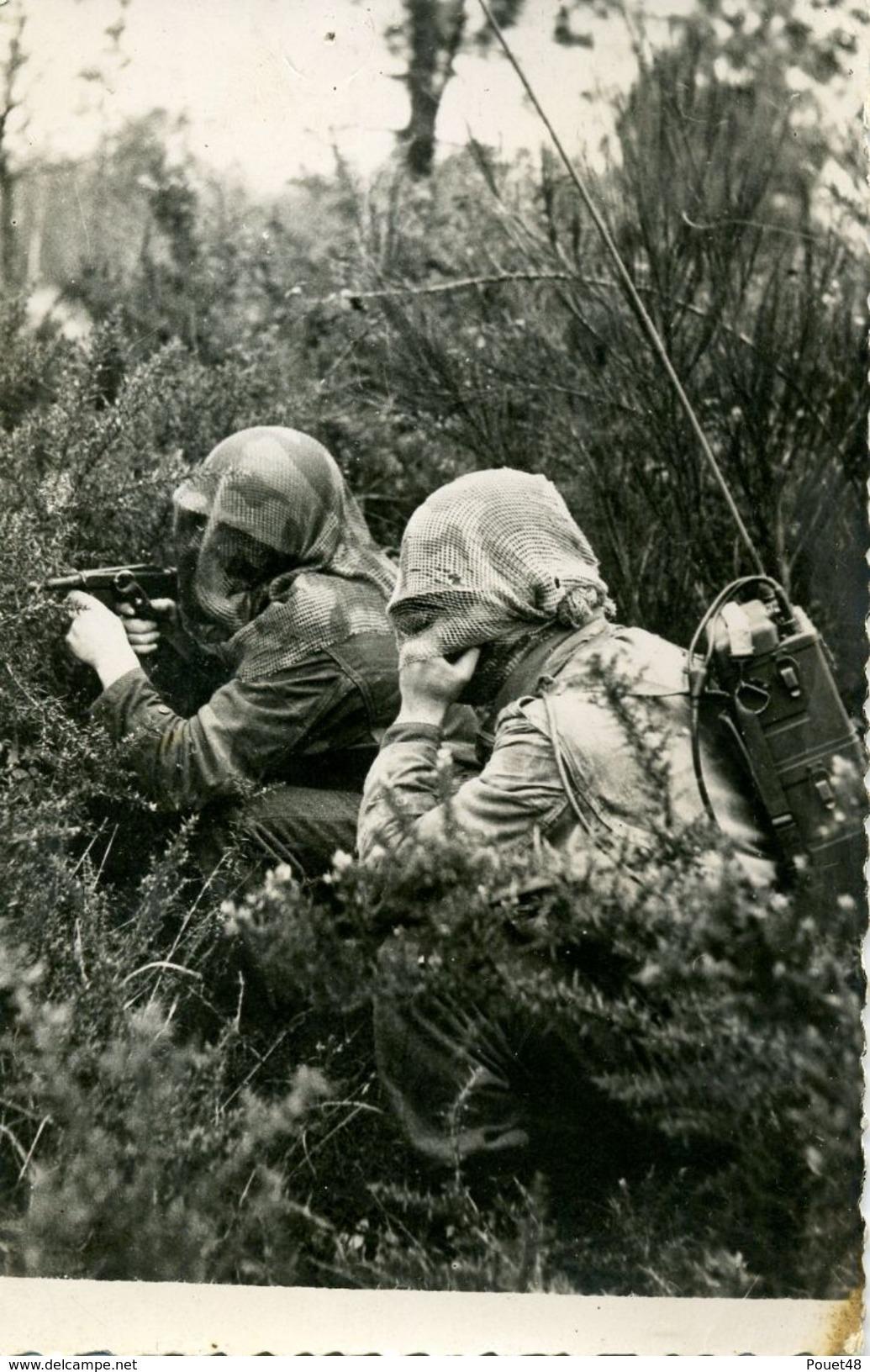 Photo Des Forces Aéro-portées D'Indochine 1946 - Parachutistes.Radio - Aviation