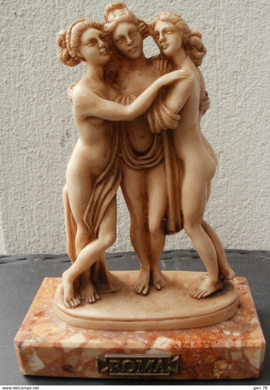 Statue / Statuette LES 3 GRACES Sur Plaque De Marbre Estampillée ROMA - Autres