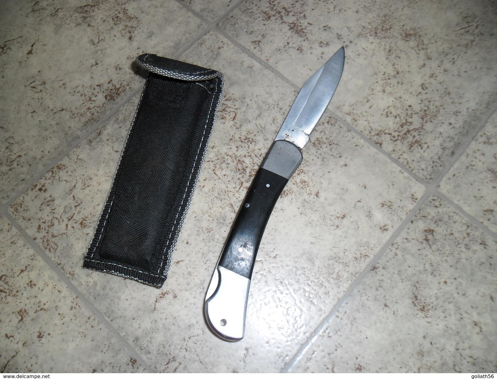 Couteau Ancien Pliant Marque K, Manche En Bois Noir - Knives/Swords