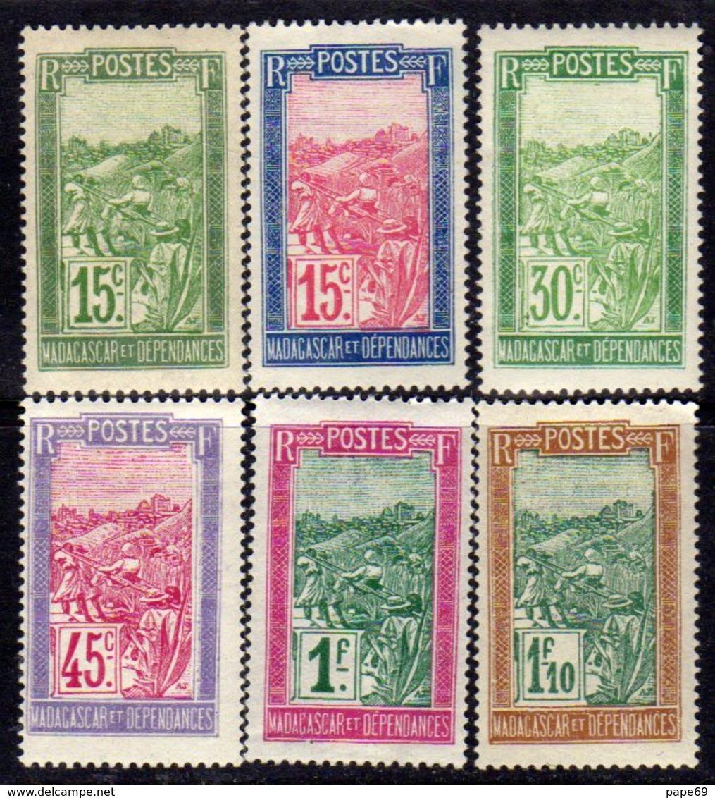 Madagascar N° 156 / 61 X , La Série Des 6 Valeurs Trace De Charnière, Sinon TB - Madagascar (1889-1960)