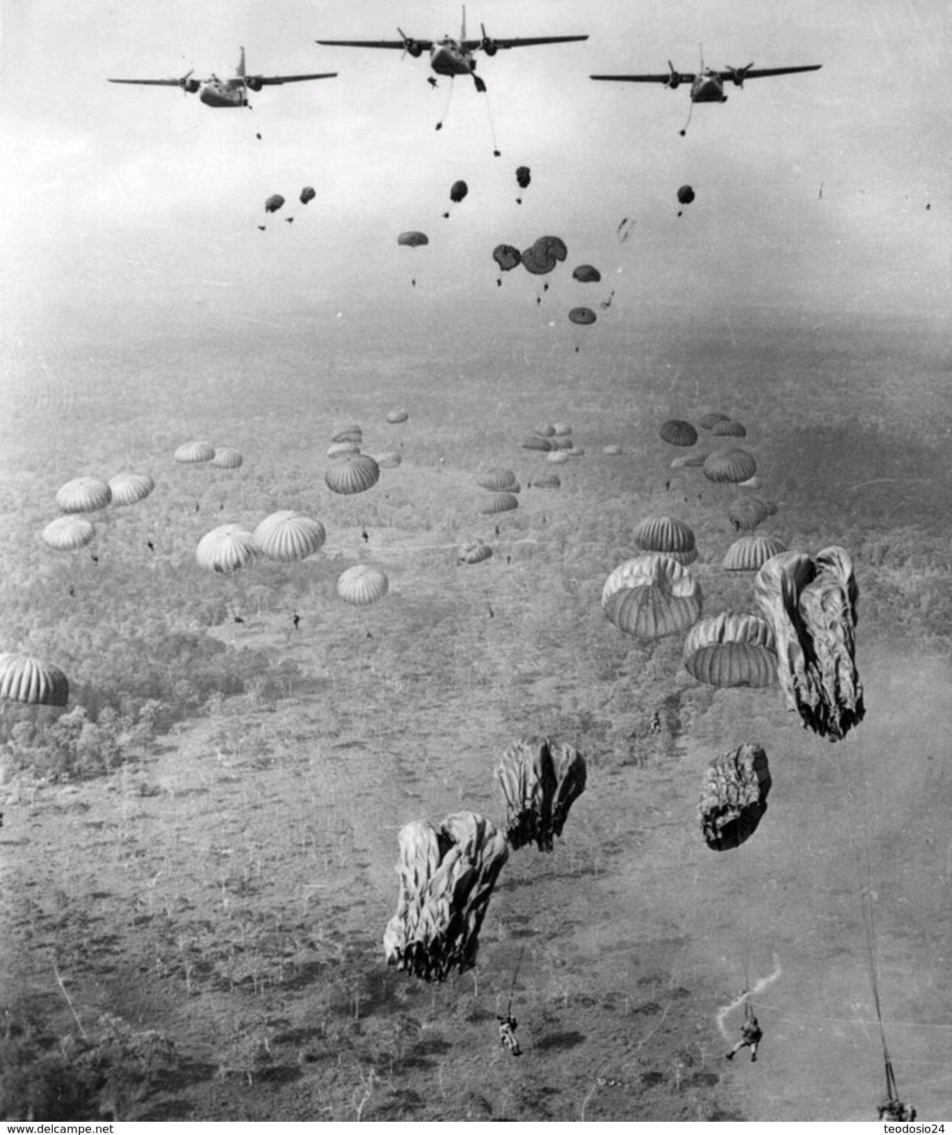 II WAR F 8 - 1939-45
