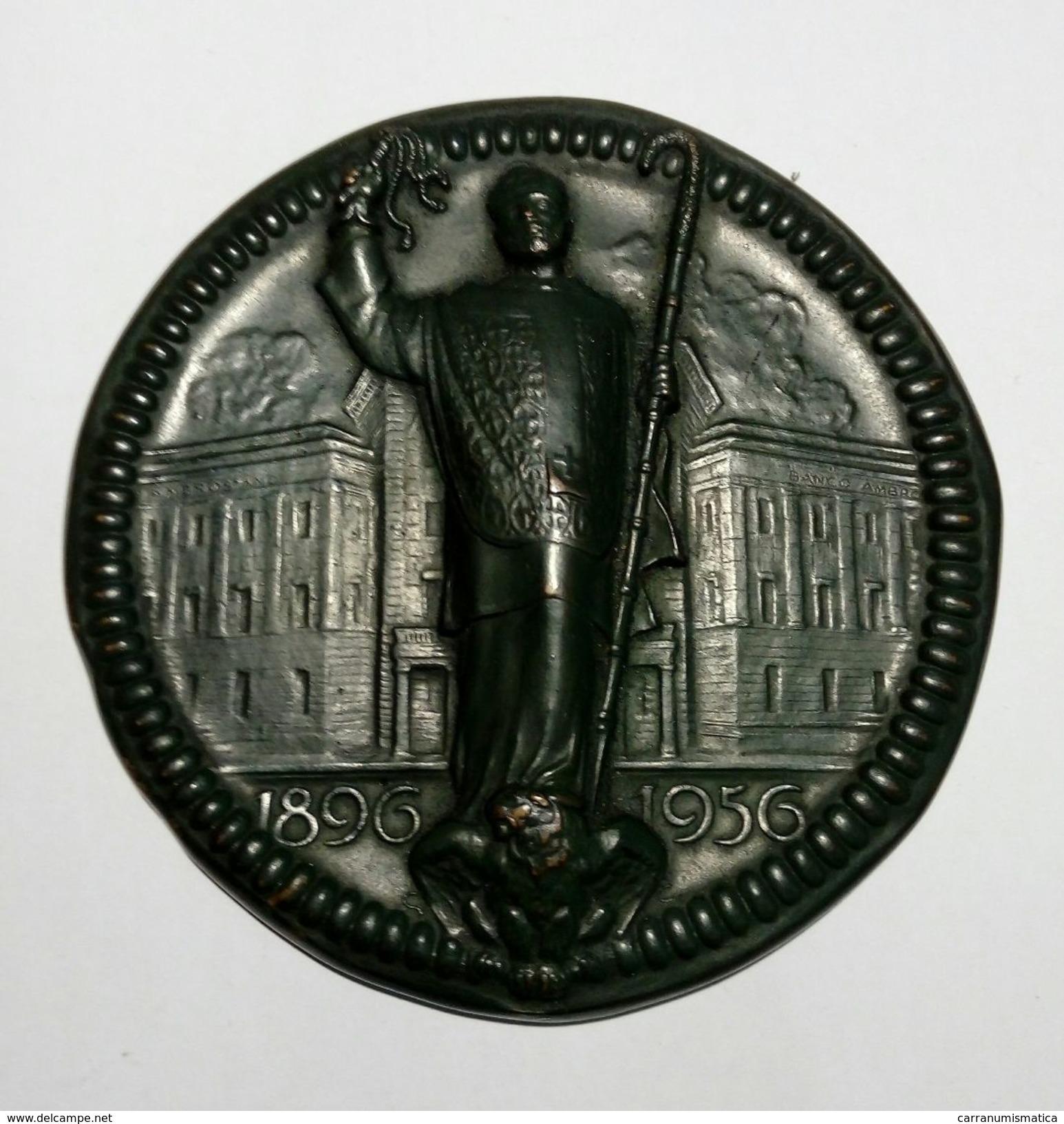 MEDAGLIA - 60° Anniversario FONDAZIONE Del BANCO AMBROSIANO (1896 - 1956) Opus: Monti - Bronzo Patinato - 96 Mm - Professionali/Di Società