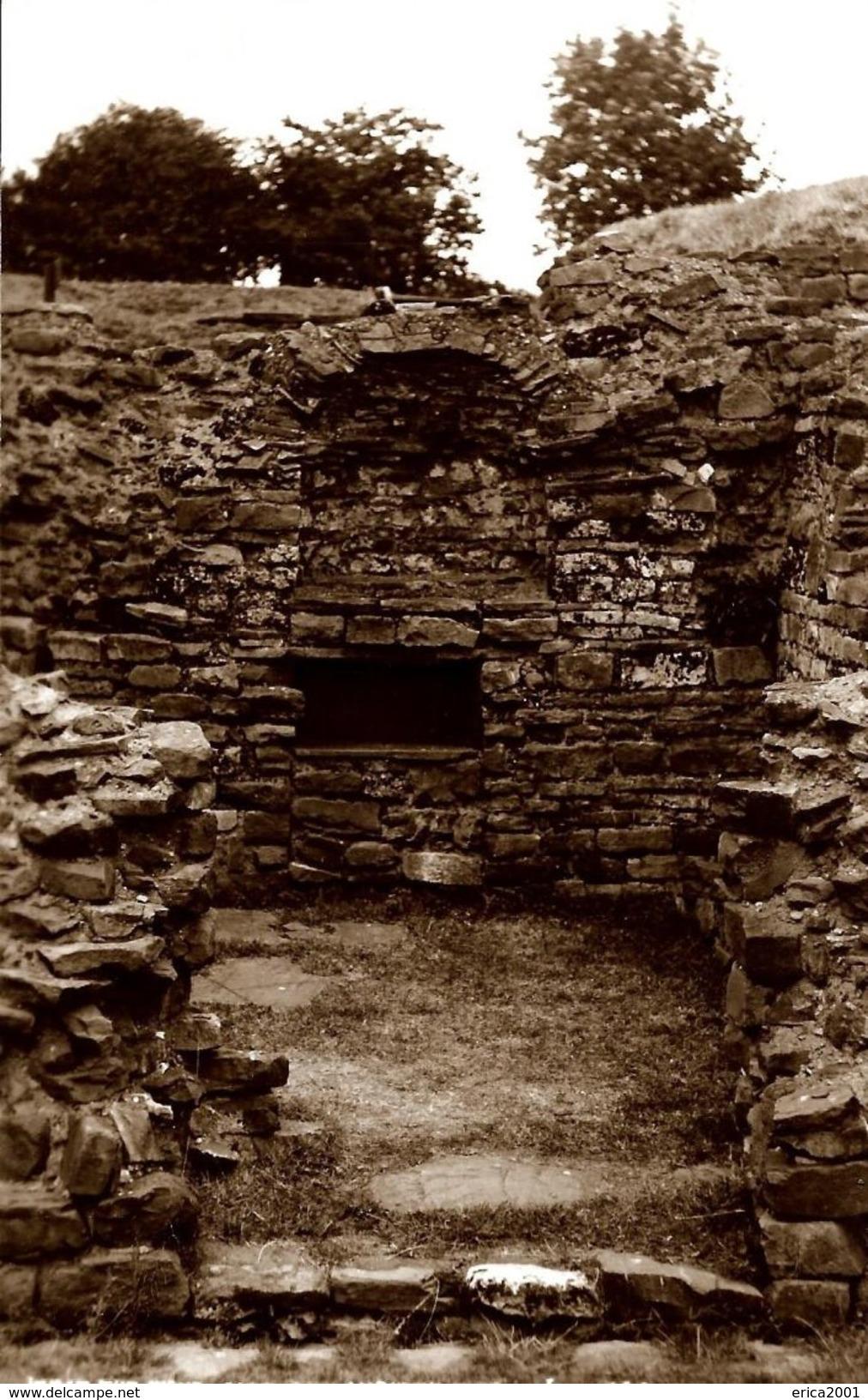 Autres. Caerleon, Caerleon Amphitheatre, The Niche. - Pays De Galles