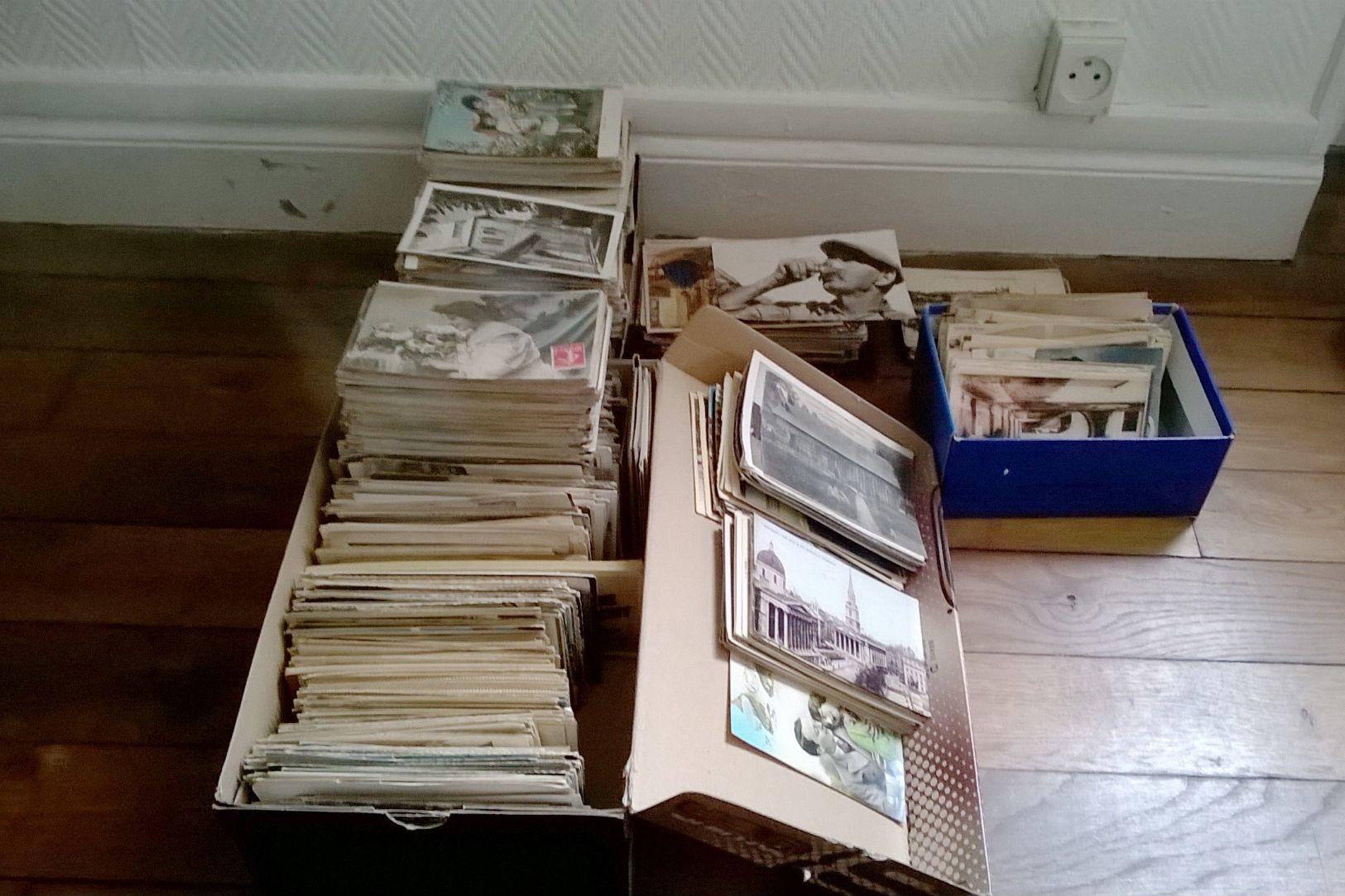 Lot De 2000 Cartes Types Drouille Etat Parfait Pas De Carnet Ni Lourdes - Cartes Postales
