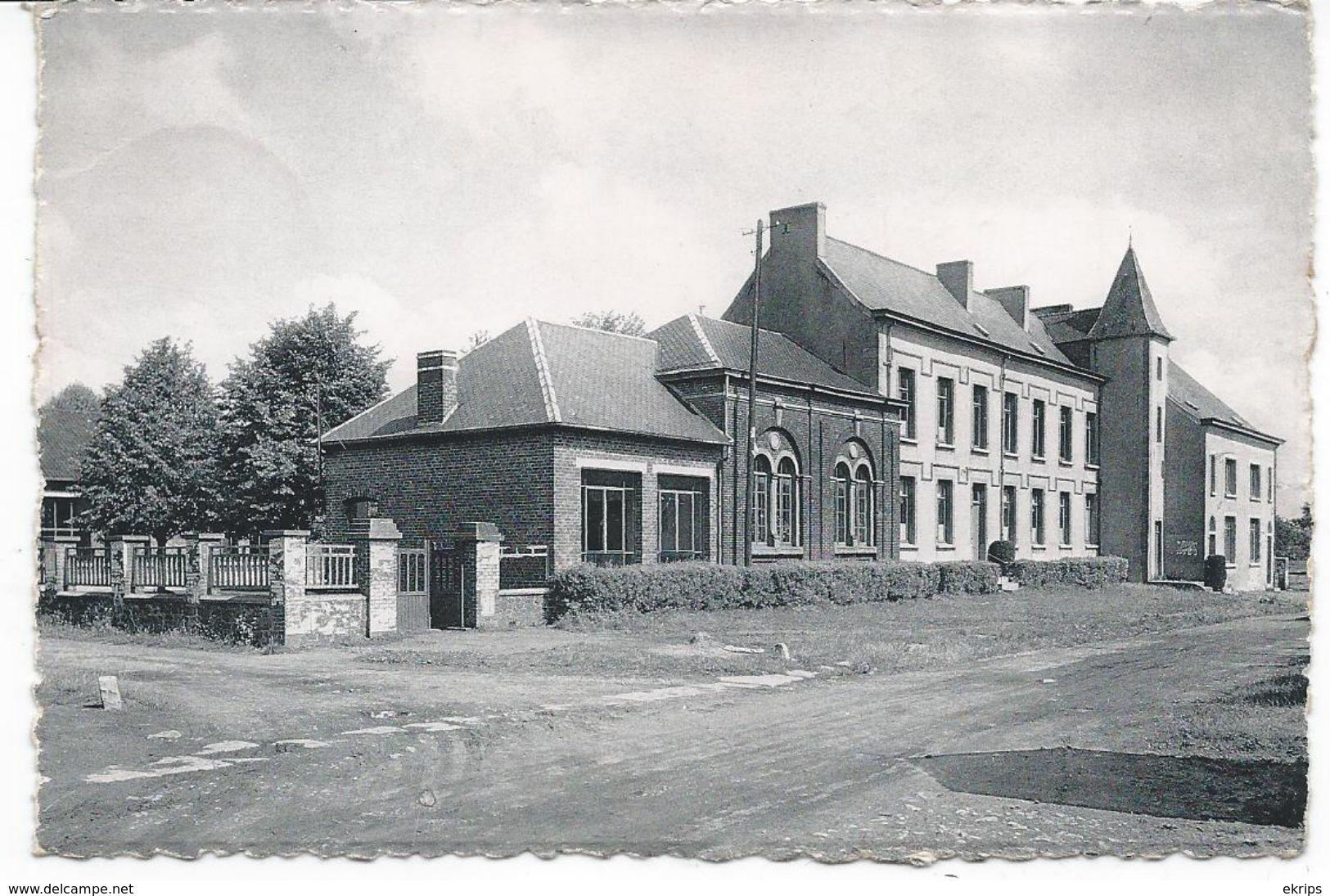 Sars-la-Buissière Ecoles Et Bâtiments Communaux - Belgique