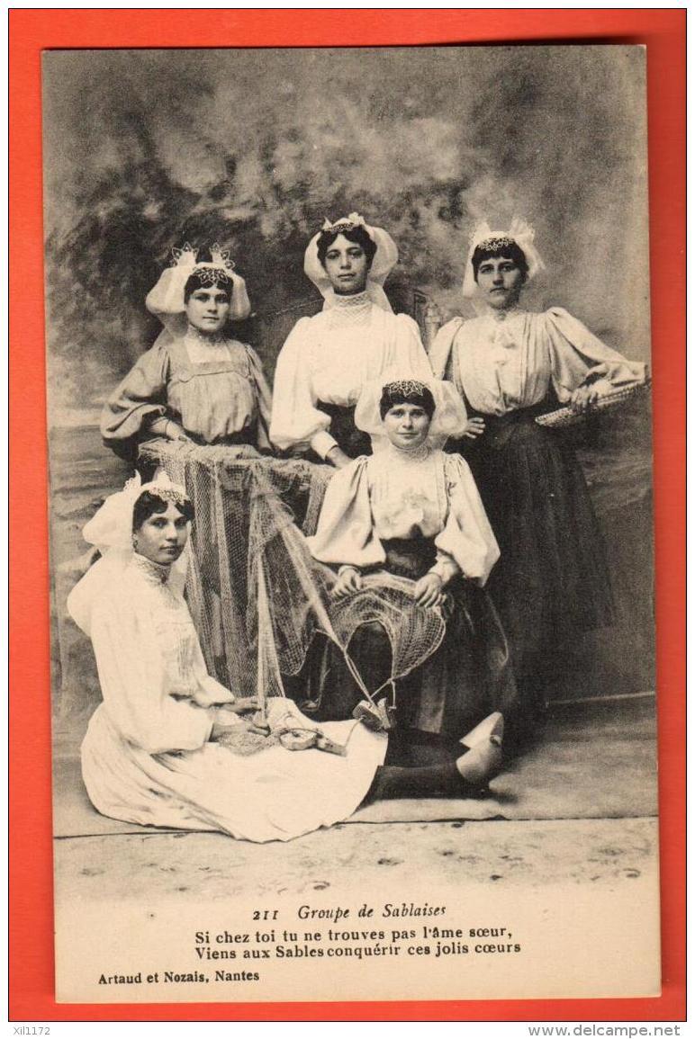 GAR-17  Groupe De Sablaises, Avec Dicton. Costumes. Non Circulé - Sables D'Olonne