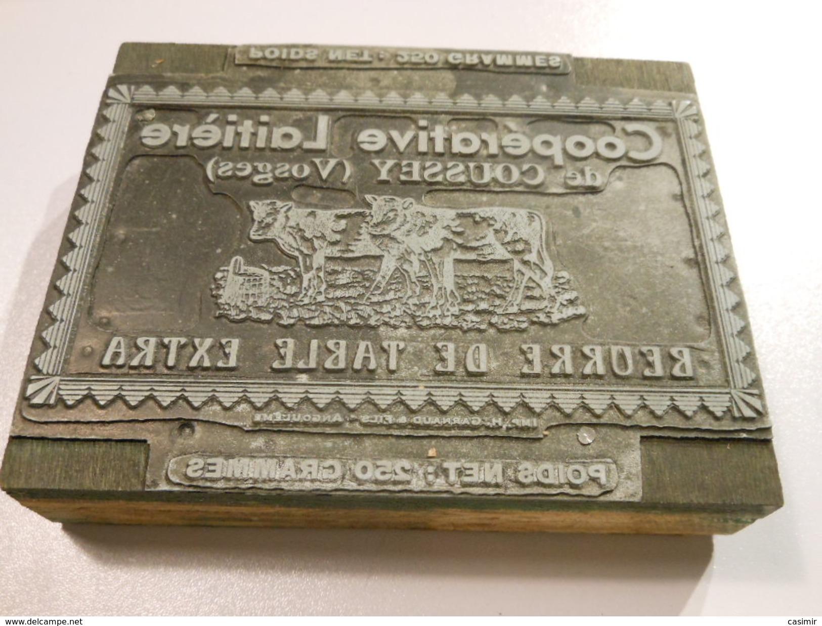 MAT25 - Matrice Ancienne ETIQUETTE DE BEURRE DE LA LAITERIE DE COUSSEY - Vosges 88 - Cartelli Pubblicitari
